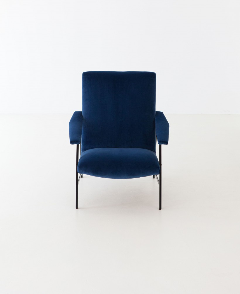 1950s Italian Blue Velvet and Black Iron Armchair SE295
