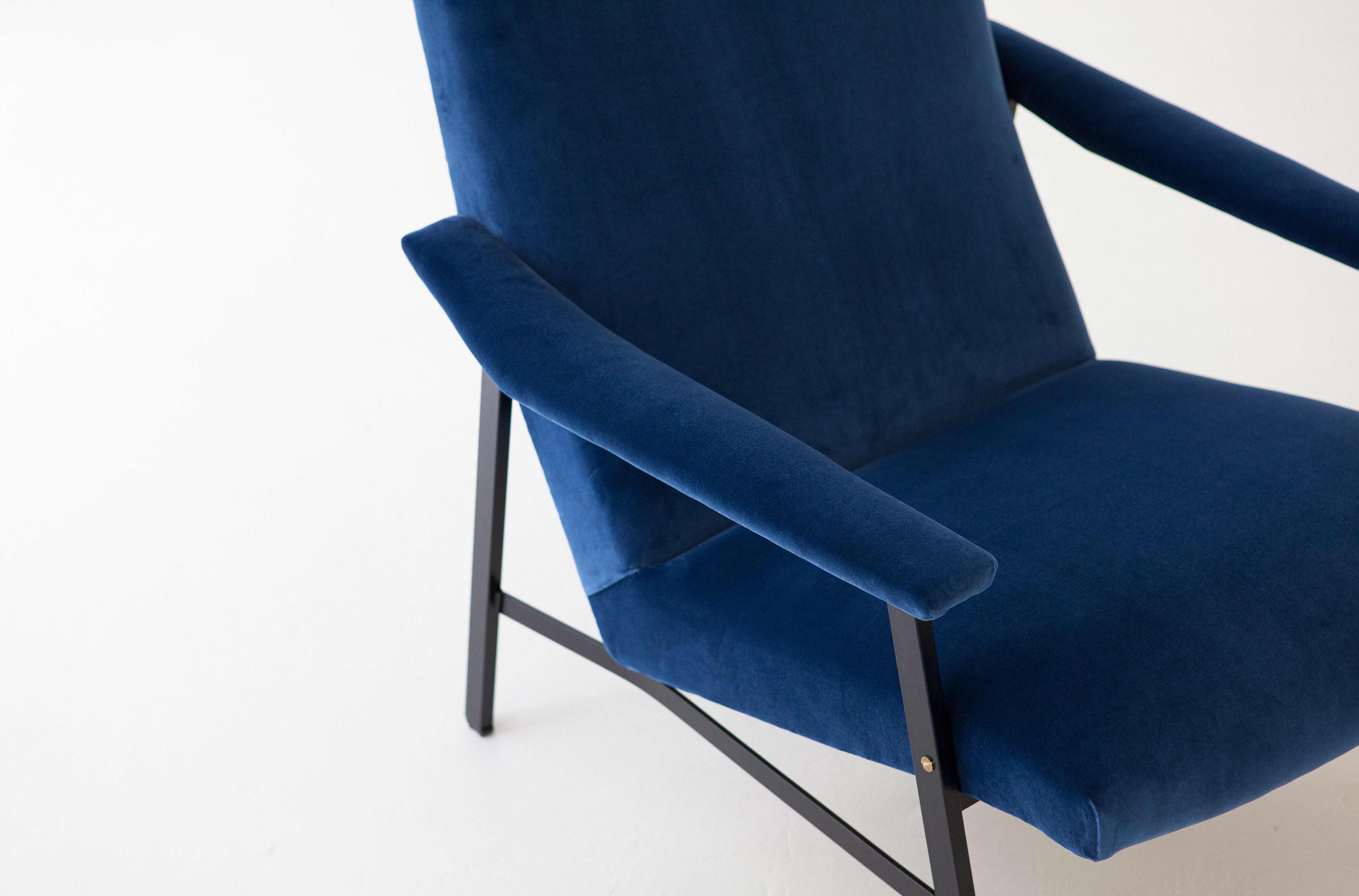1950s-Italian-blu-velvet-lounge-armchair-10-SE295