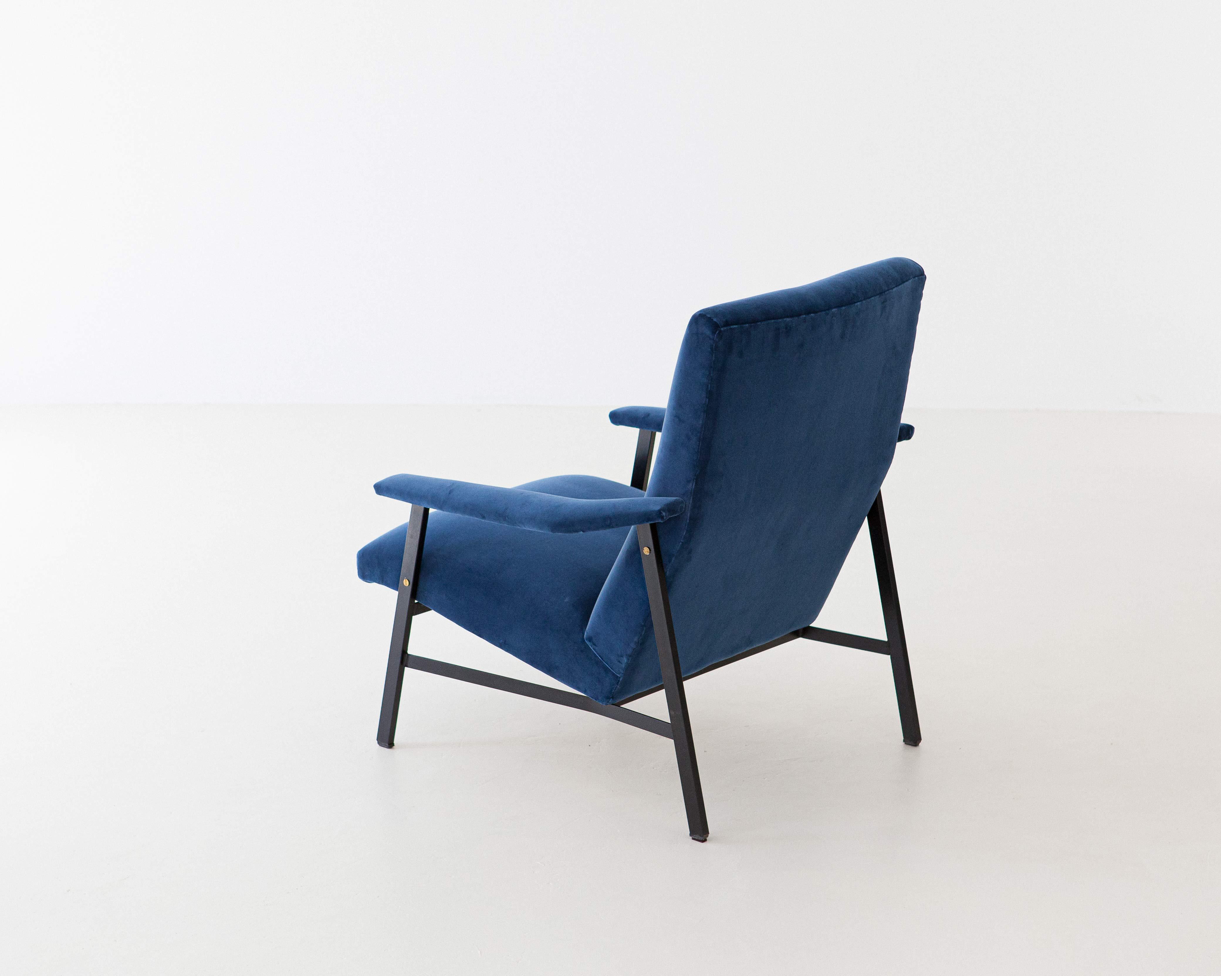 1950s-Italian-blu-velvet-lounge-armchair-6-SE295