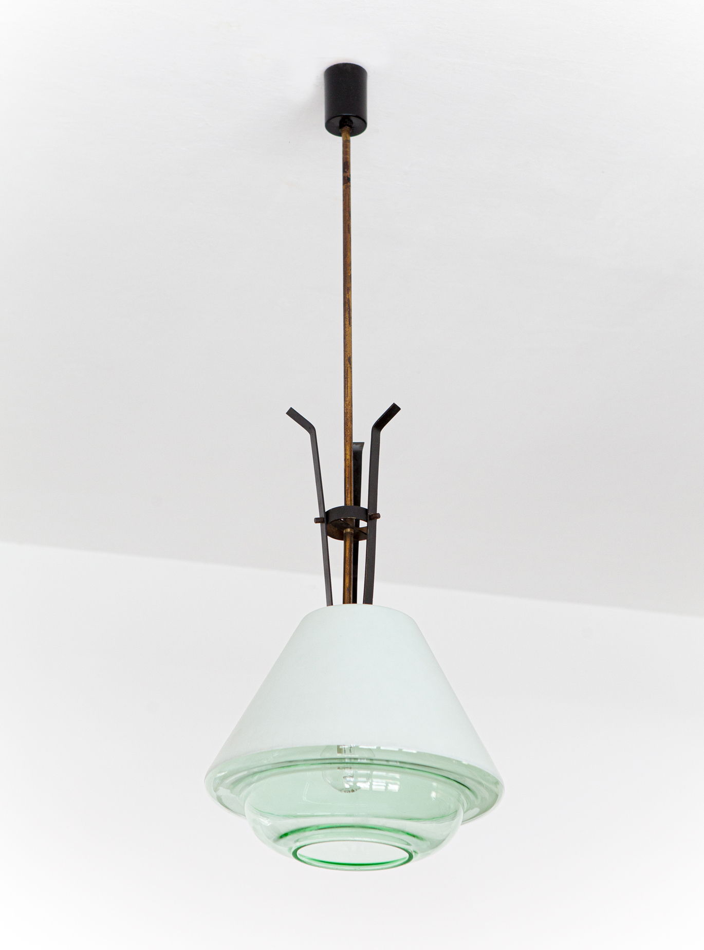 1950s-brass-and-glass-pendant-lamp-by-stlnovo-1-l92
