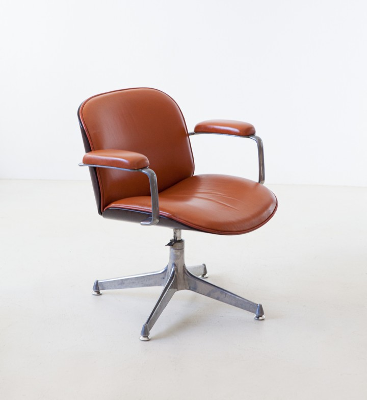 1950s Cognac leather swivel chair by Ico Parisi for MiM SE333