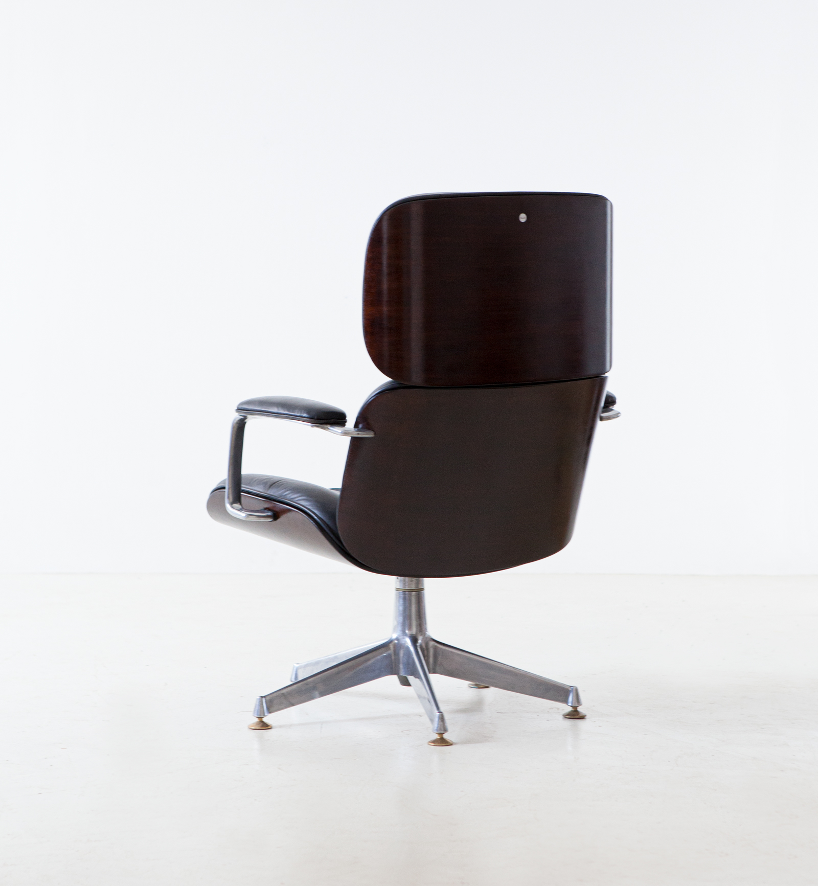 1950s-executive-desk-chair-by-Ico-Parisi-for-M.i.M.-1-SE332
