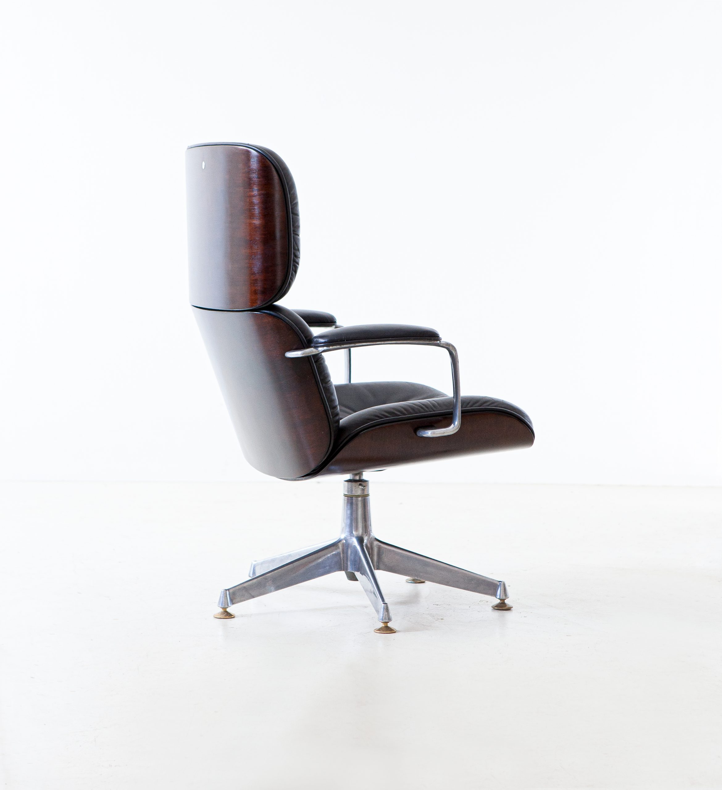 1950s-executive-desk-chair-by-Ico-Parisi-for-M.i.M.-6-SE332