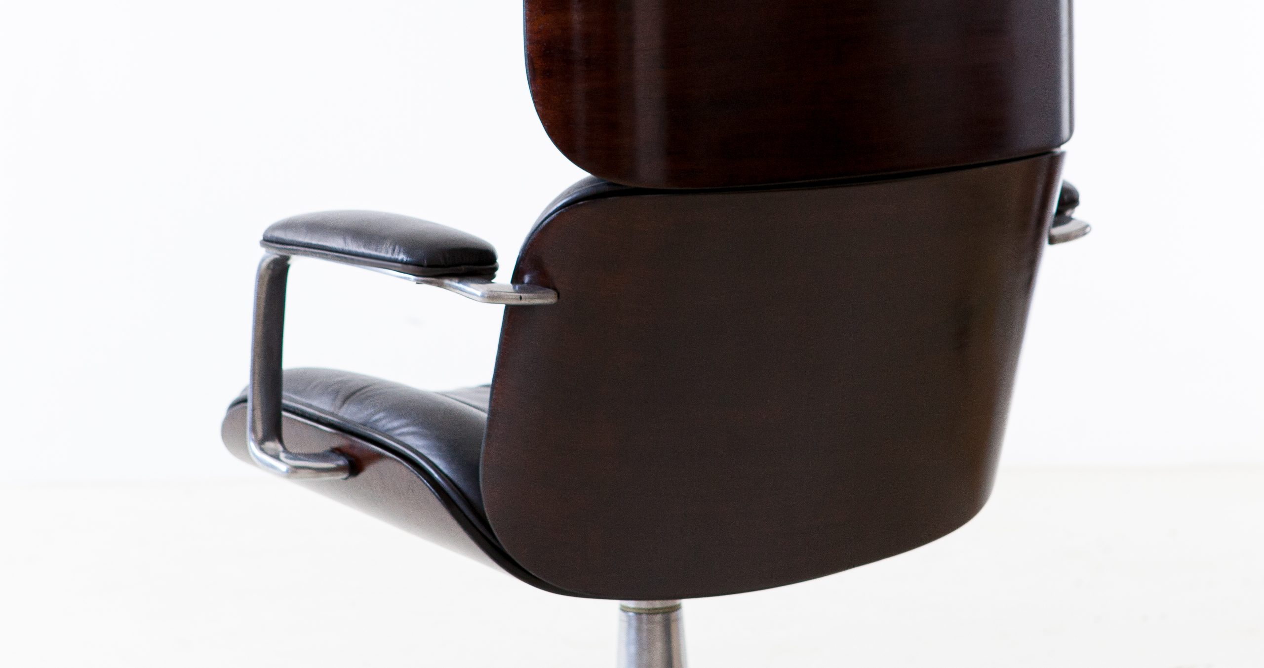 1950s-executive-desk-chair-by-Ico-Parisi-for-M.i.M.-9-SE332