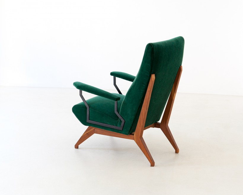 1950s Green Velvet and Mahogany Italian Armchair SE290
