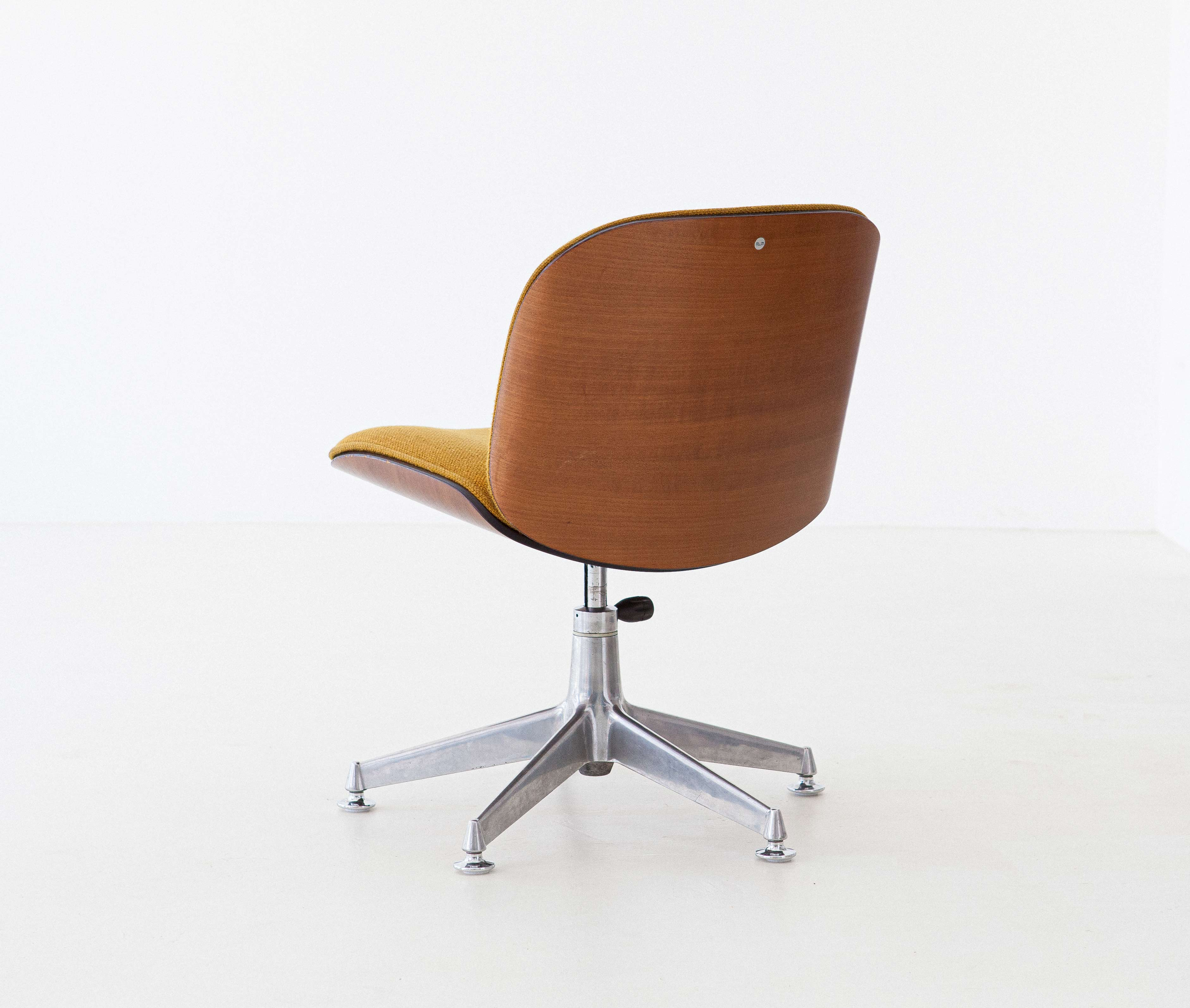 1950s-ico-parisi-for-mim-walnut-swivel-desk-chairs-7-se305