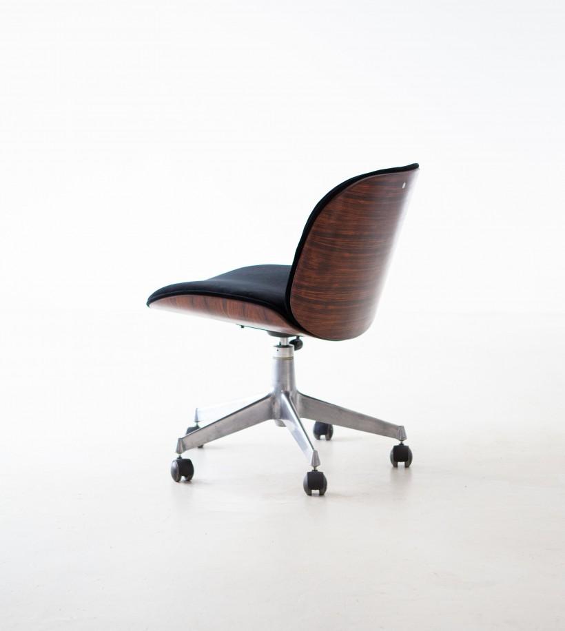 1950s Ico Parisi for MiM, rosewood and black velvet swivel chair SE309