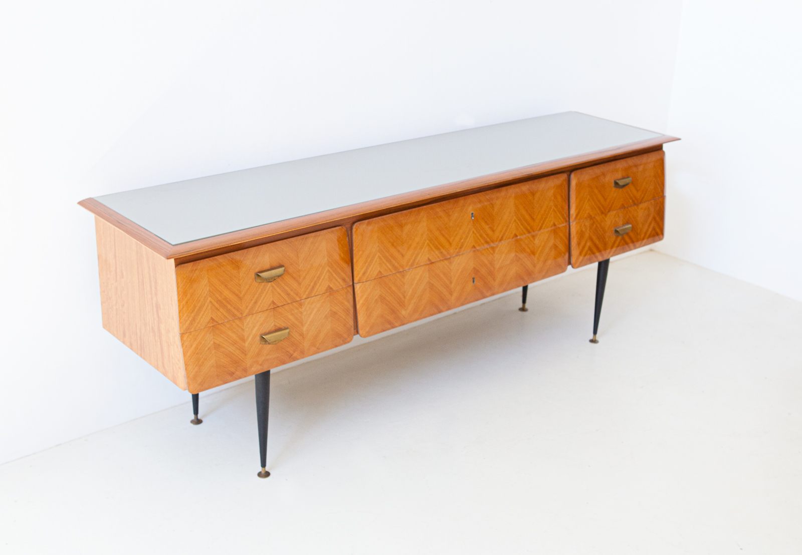 1950s-itaian-blond-mahogany-chest-of-drawers-2-st124