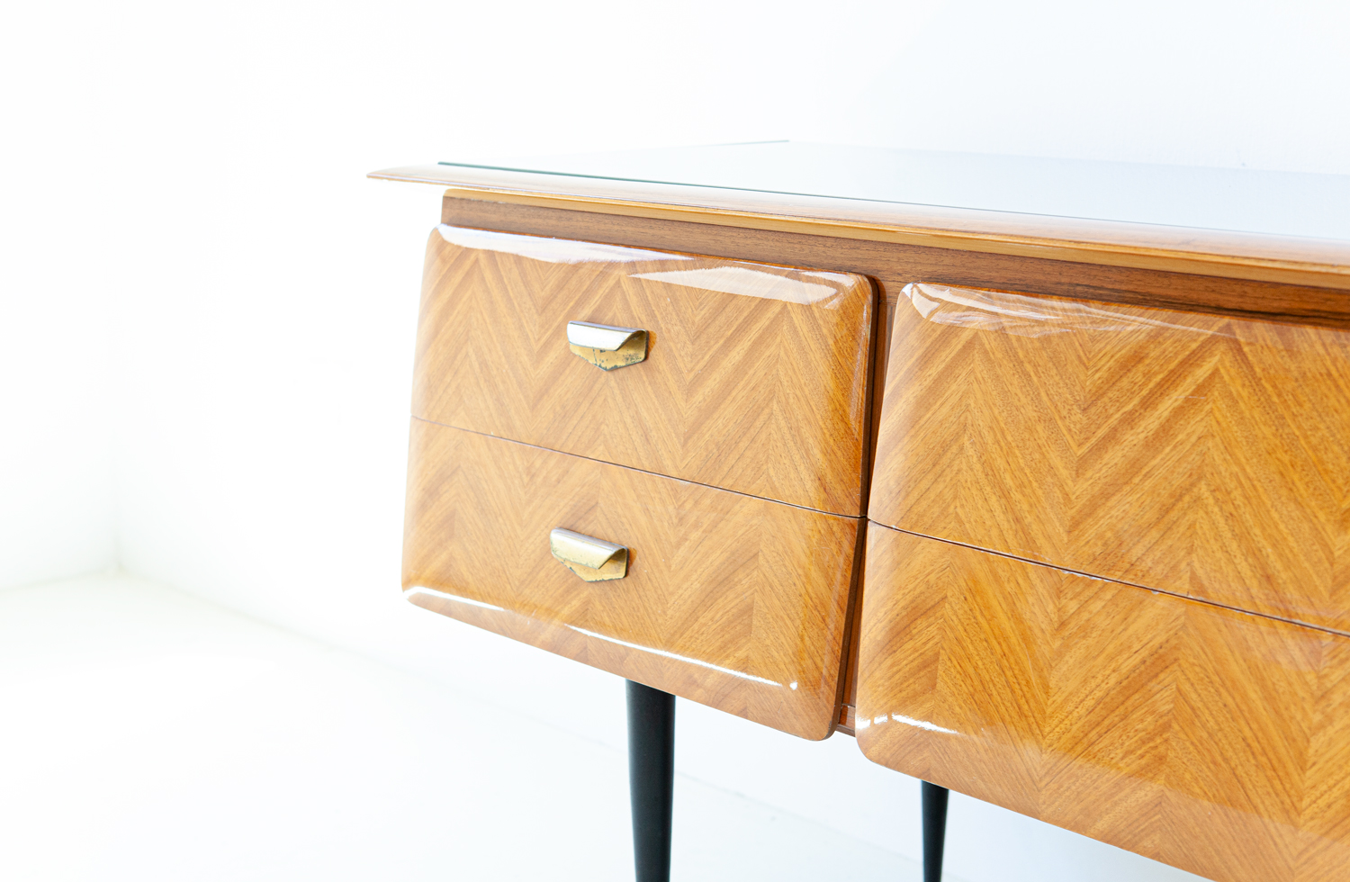 1950s-itaian-blond-mahogany-chest-of-drawers-3-st124