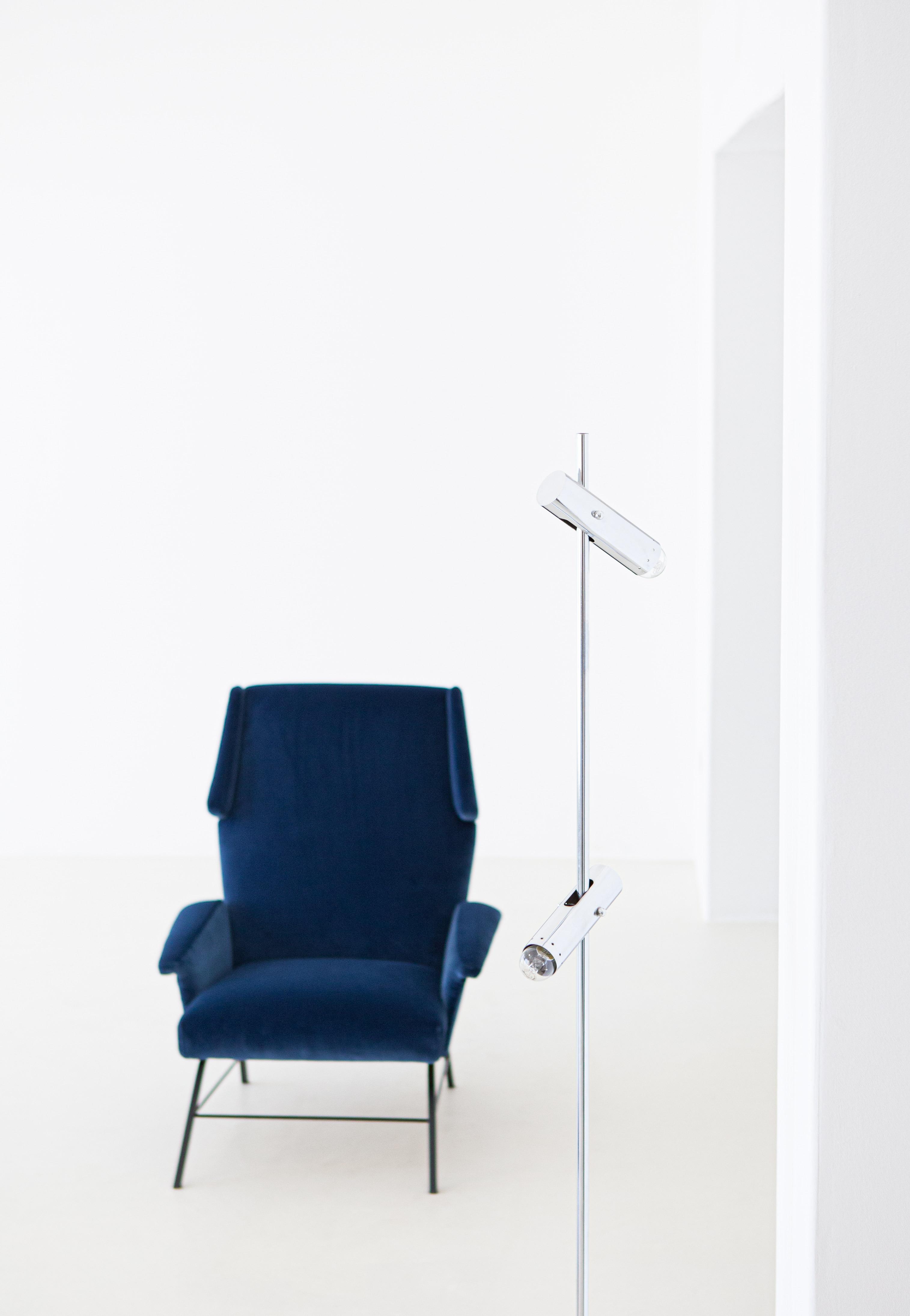 1950s-italian-blue-velvet-lounge-armchair-5-se304
