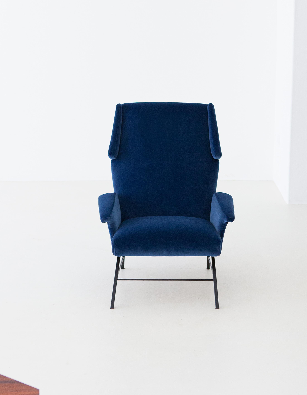 1950s-italian-blue-velvet-lounge-armchair-6-se304