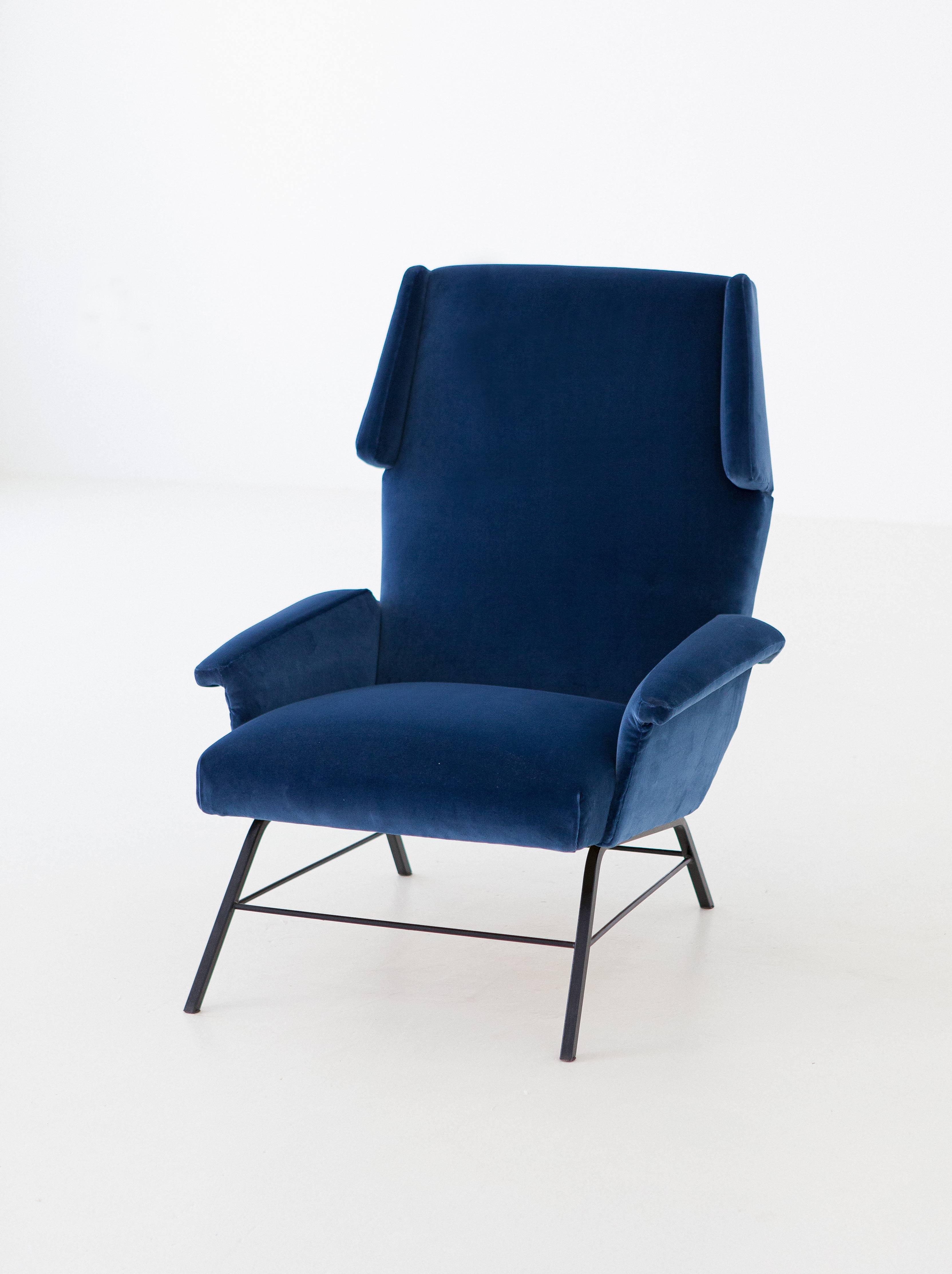 1950s-italian-blue-velvet-lounge-armchair-7-se304