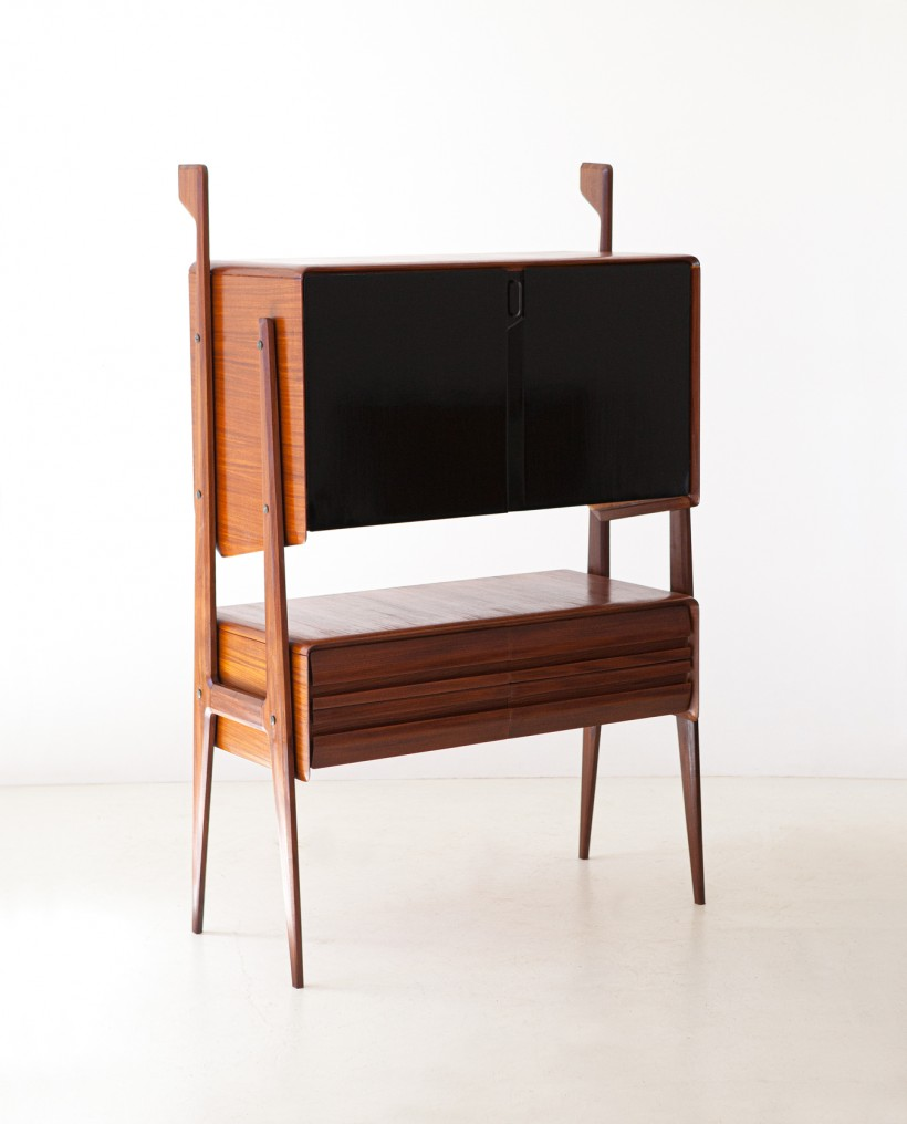 1950s Italian highboard manufactured in Cantu ST123