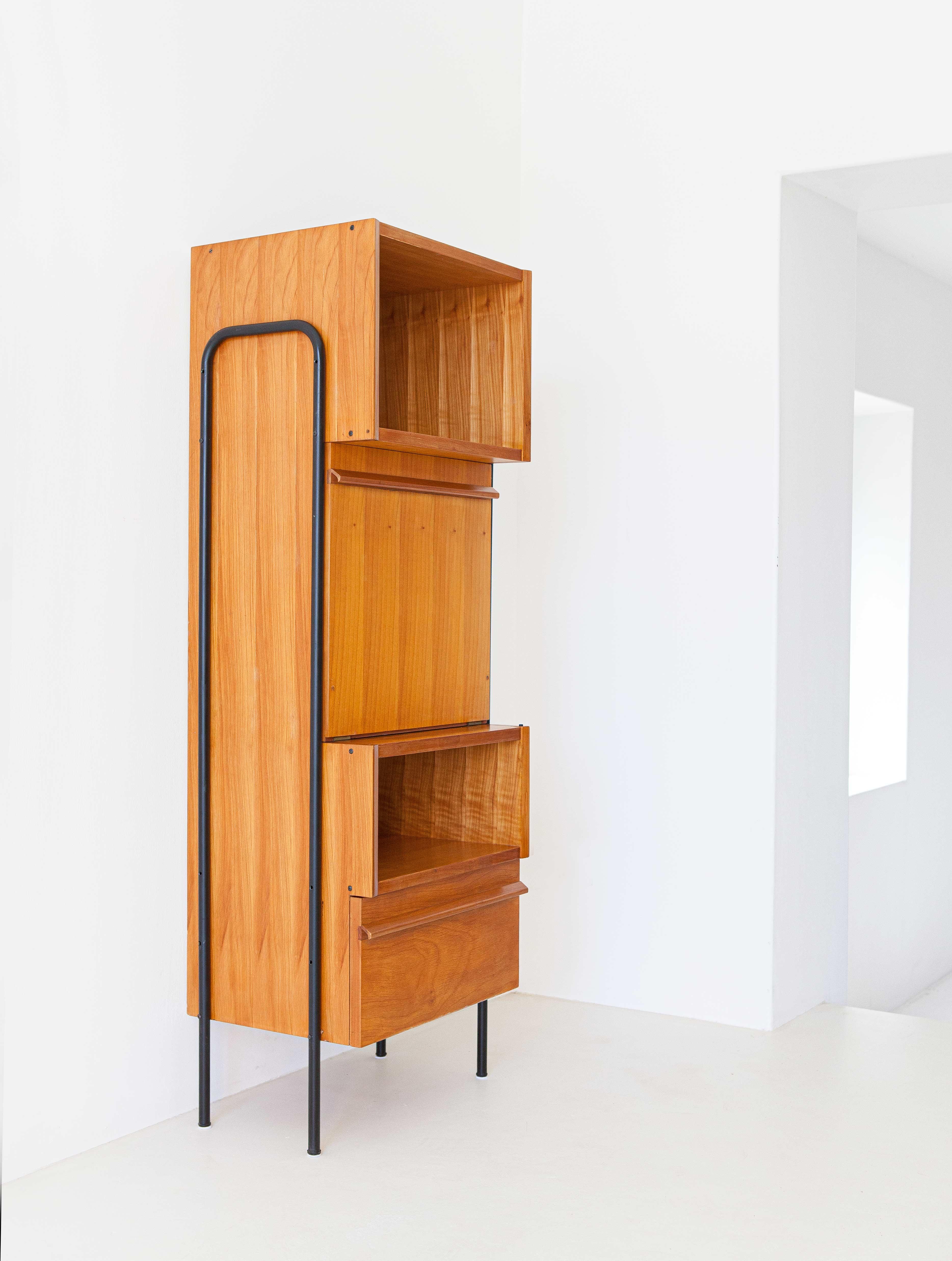 1950s-italian-light-wood-and-iron-highboard-cabinet-5-st115