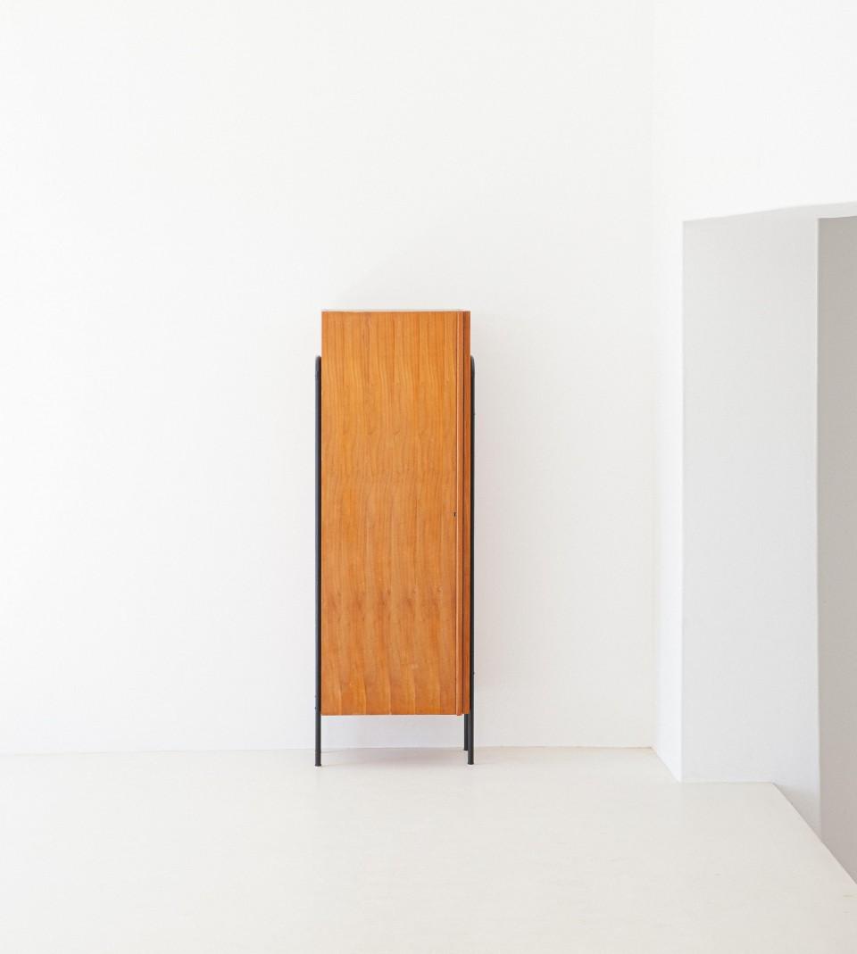 1950s-italian-light-wood-and-iron-wardrobe-cabinet-4-st114