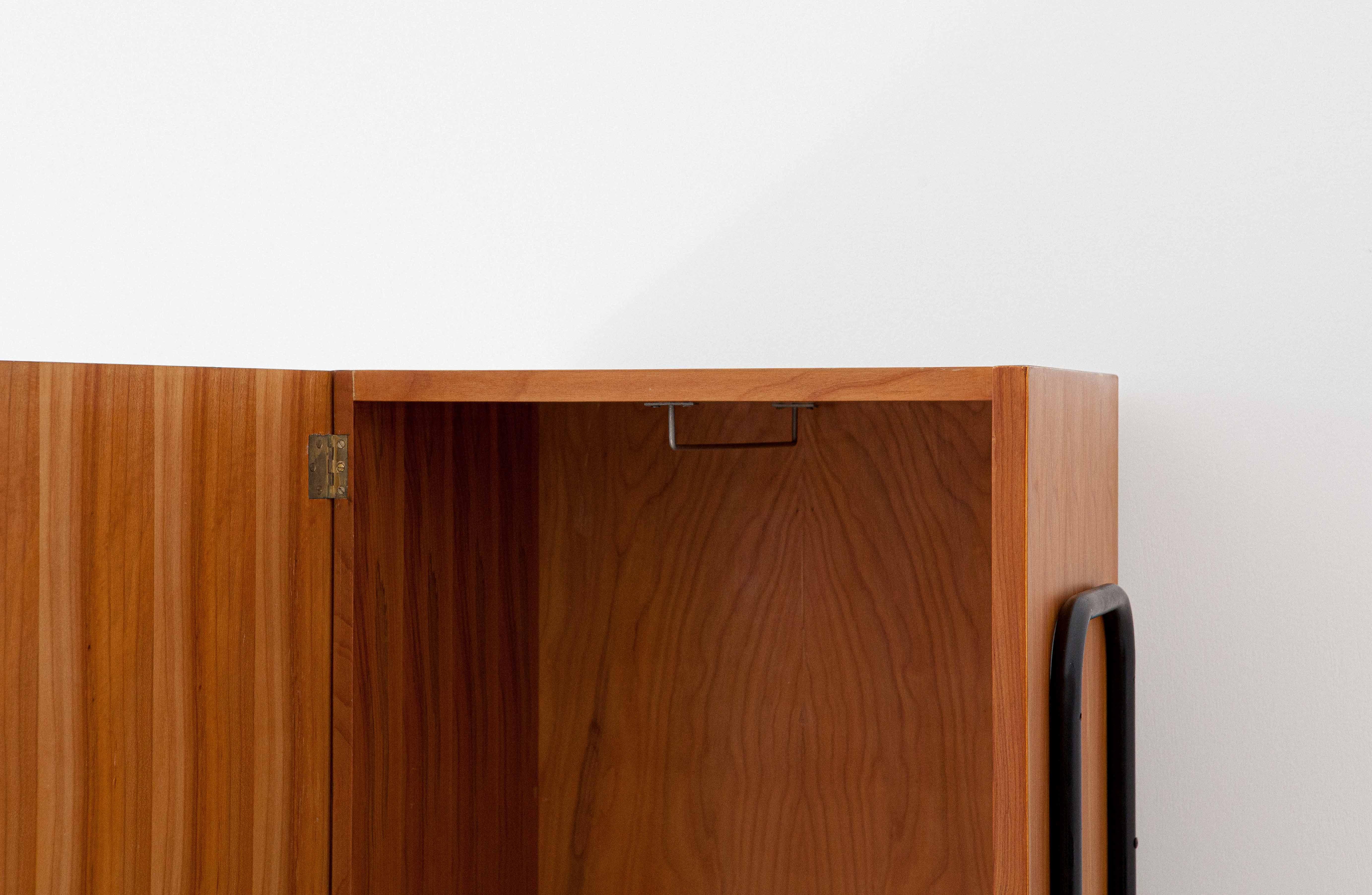 1950s-italian-light-wood-and-iron-wardrobe-cabinet-6-st114