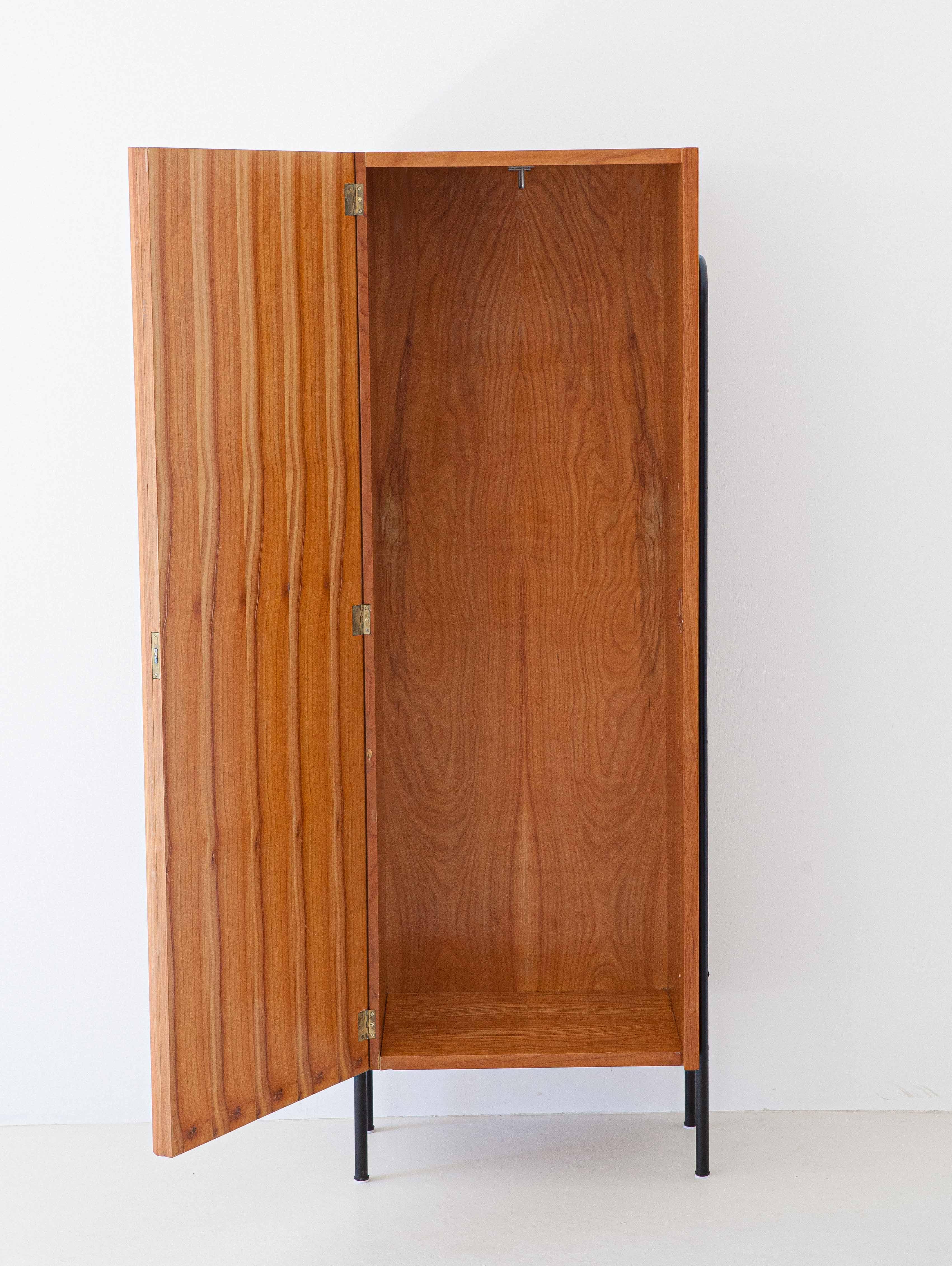 1950s-italian-light-wood-and-iron-wardrobe-cabinet-7-st114