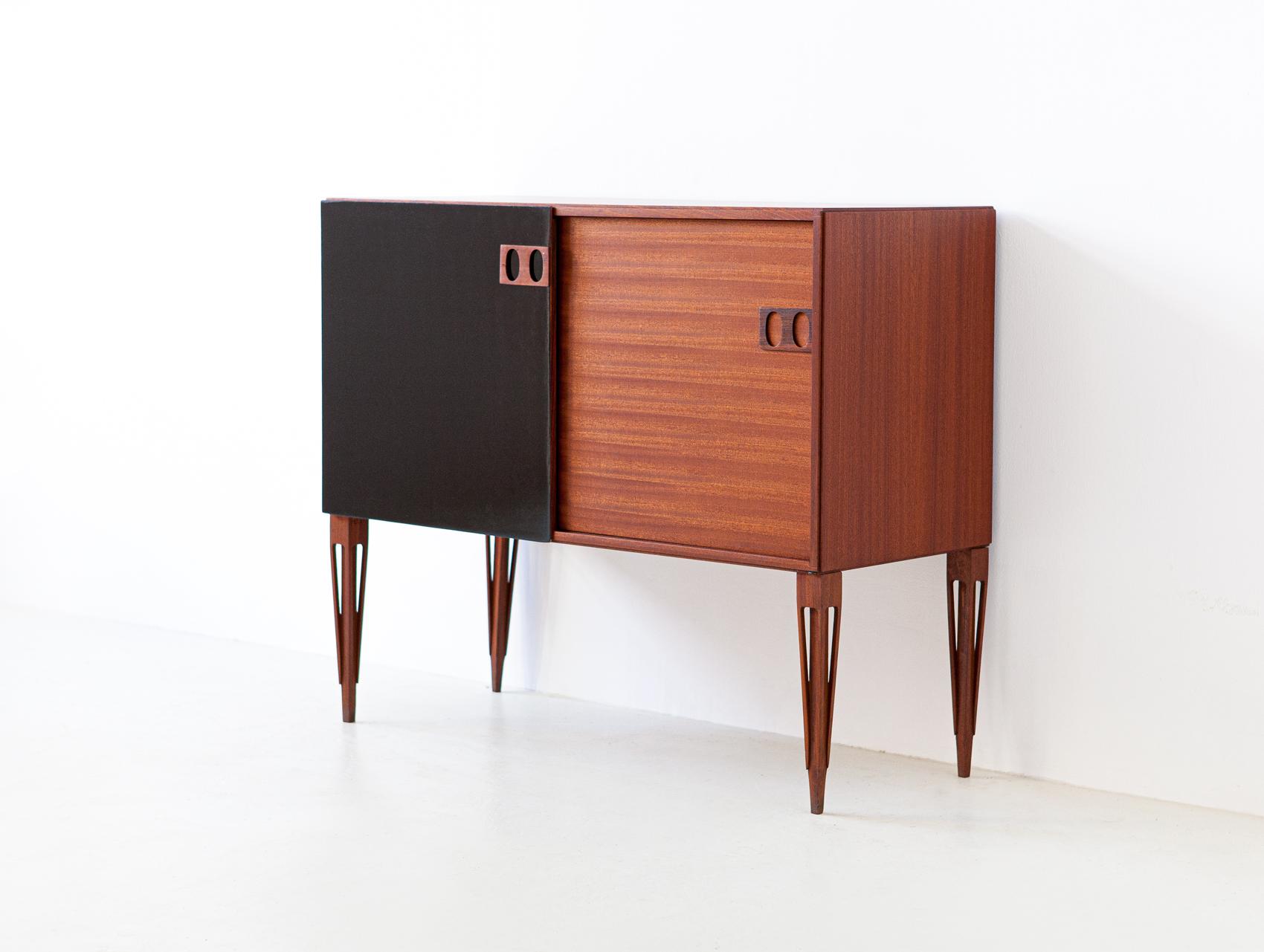1950s-italian-mahogany-sideboard-by-fratelli-proserpio-7-st120