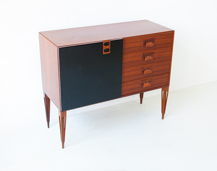 1950s Italian mahogany sideboard with drawers by Fratelli Proserpio ST121