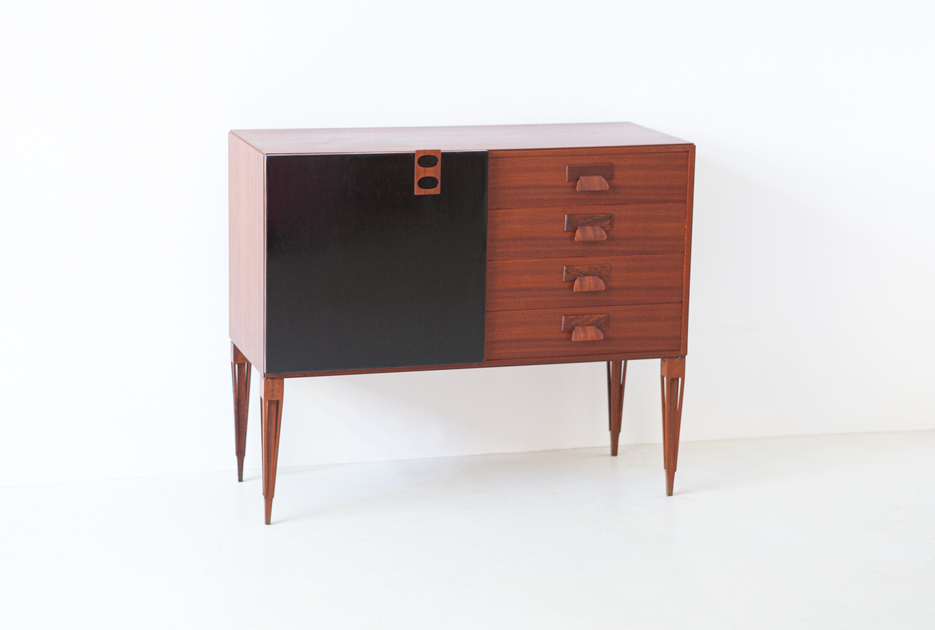 1950s-italian-mahogany-sideboard-with-drawers-by-fratelli-proserpio-4-st121