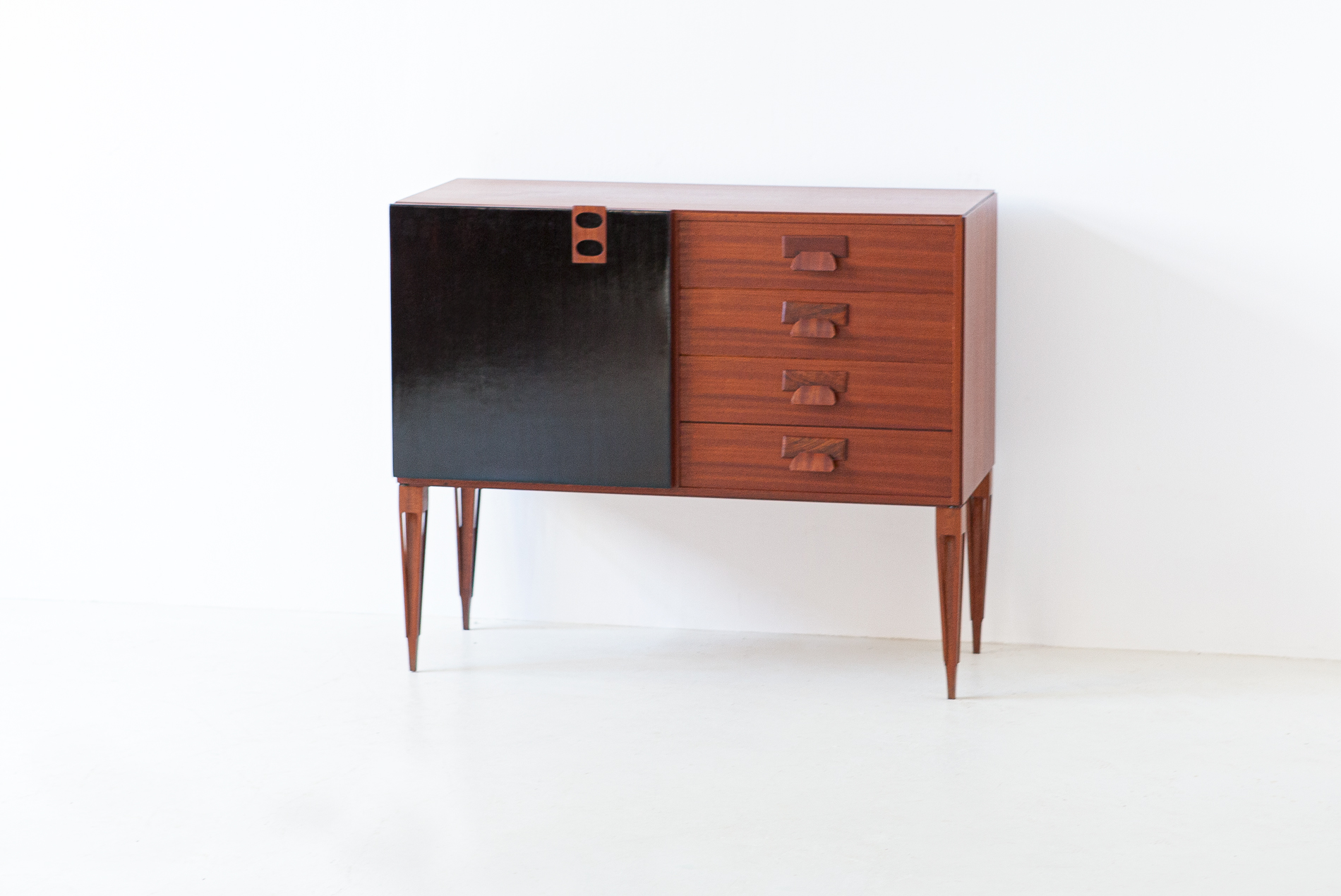 1950s-italian-mahogany-sideboard-with-drawers-by-fratelli-proserpio-6-st121
