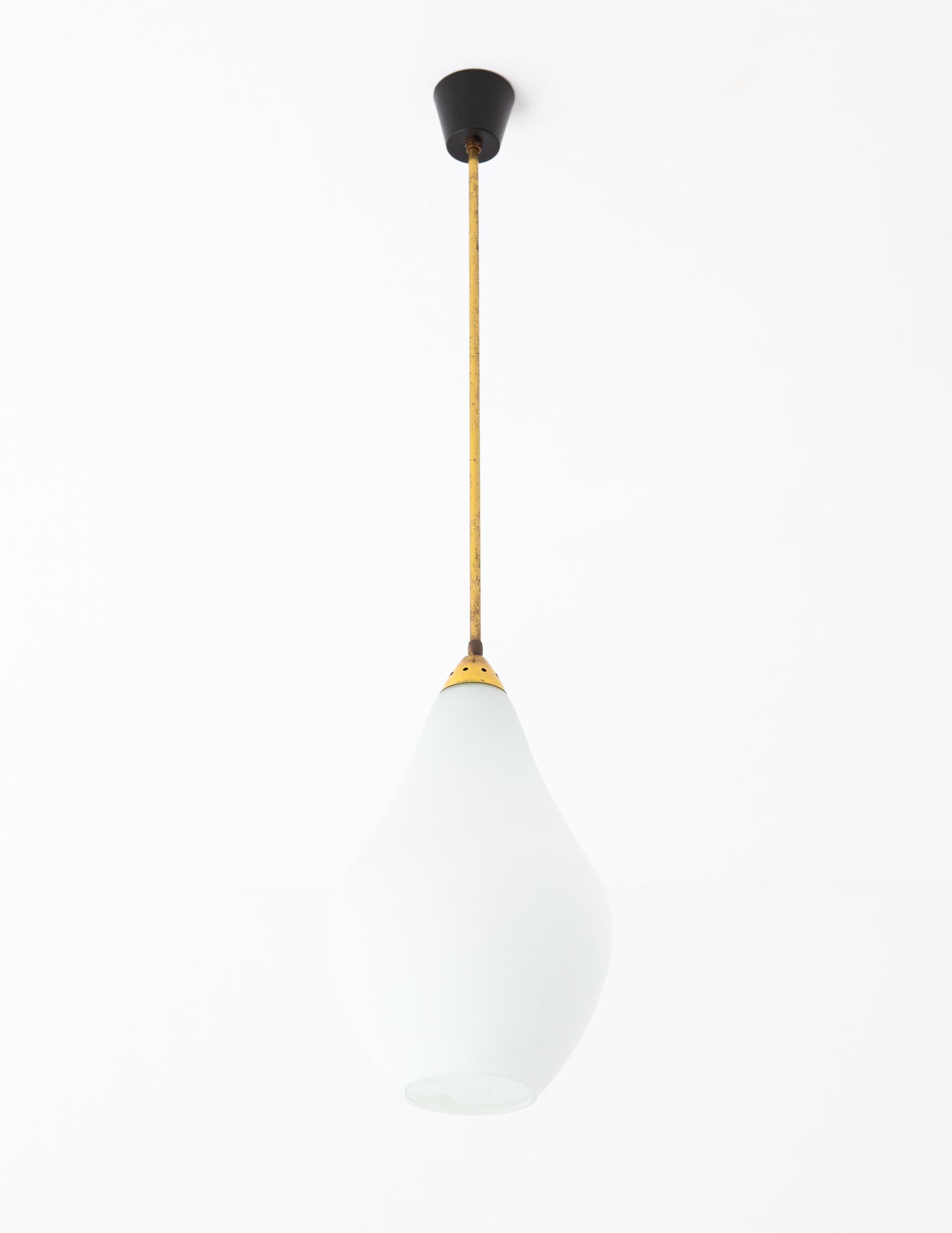1950s-italian-opaline-glass-brass-pendant-lamp-1a-l81