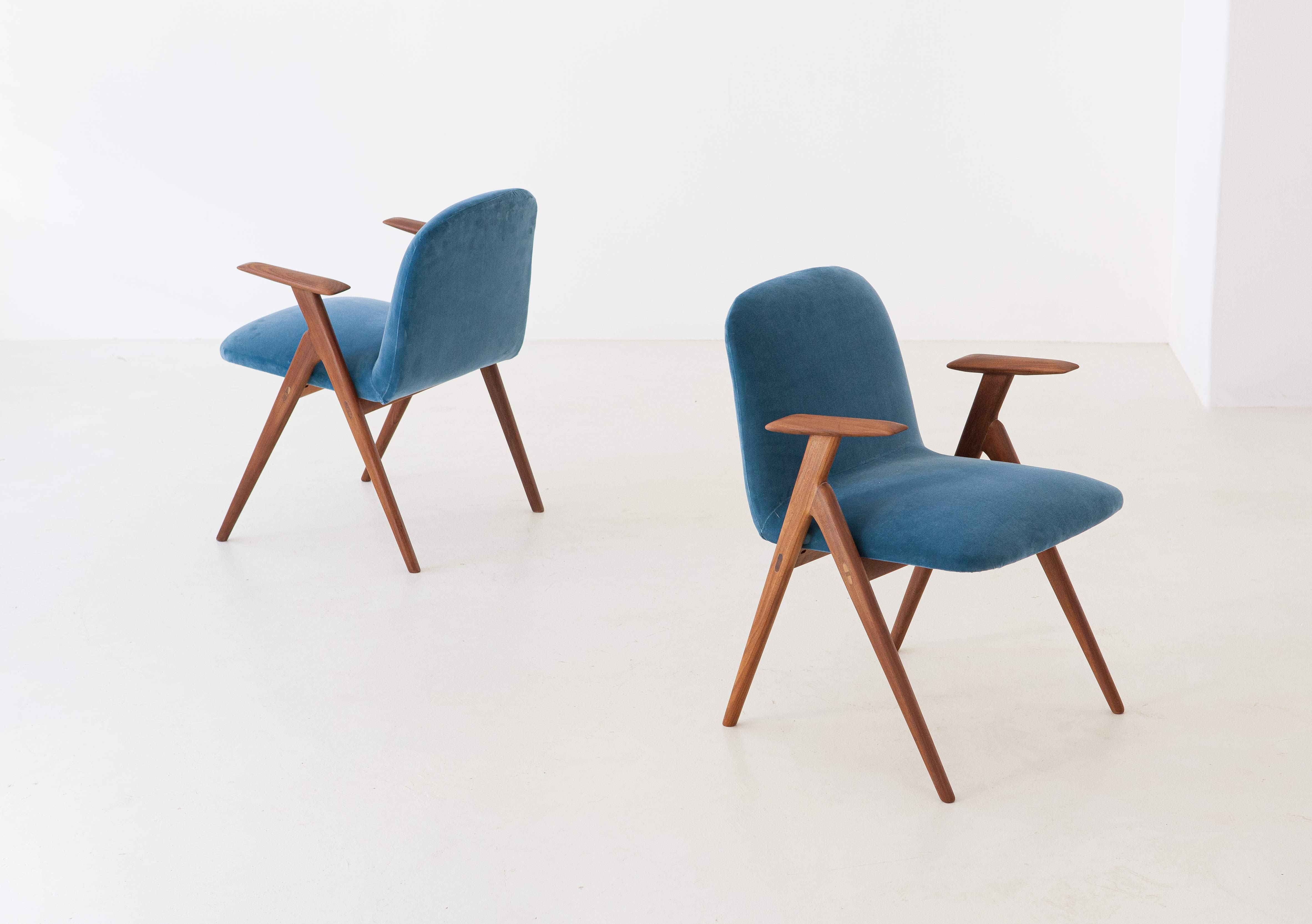 1950s-italian-rosewood-and-blue-velvet-armchairs-2-se216