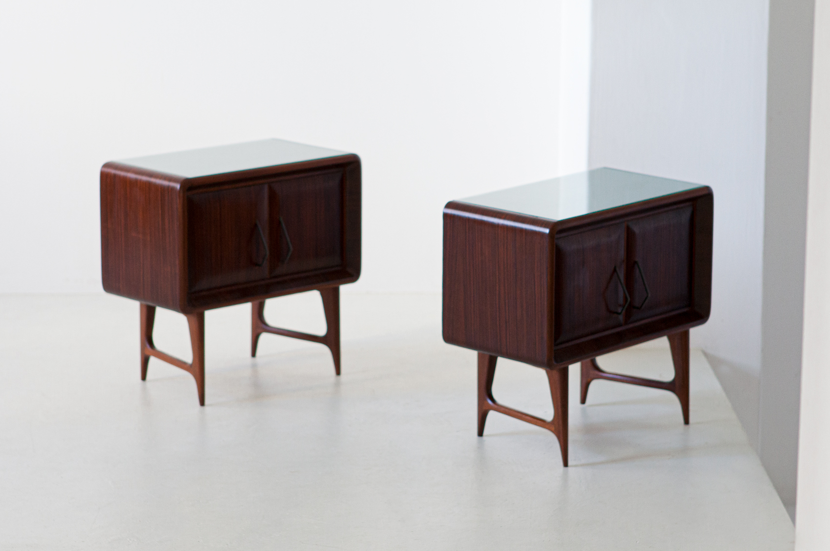 1950s-italian-rosewood-bedside-tables-with-green-glass-top-7-bt83