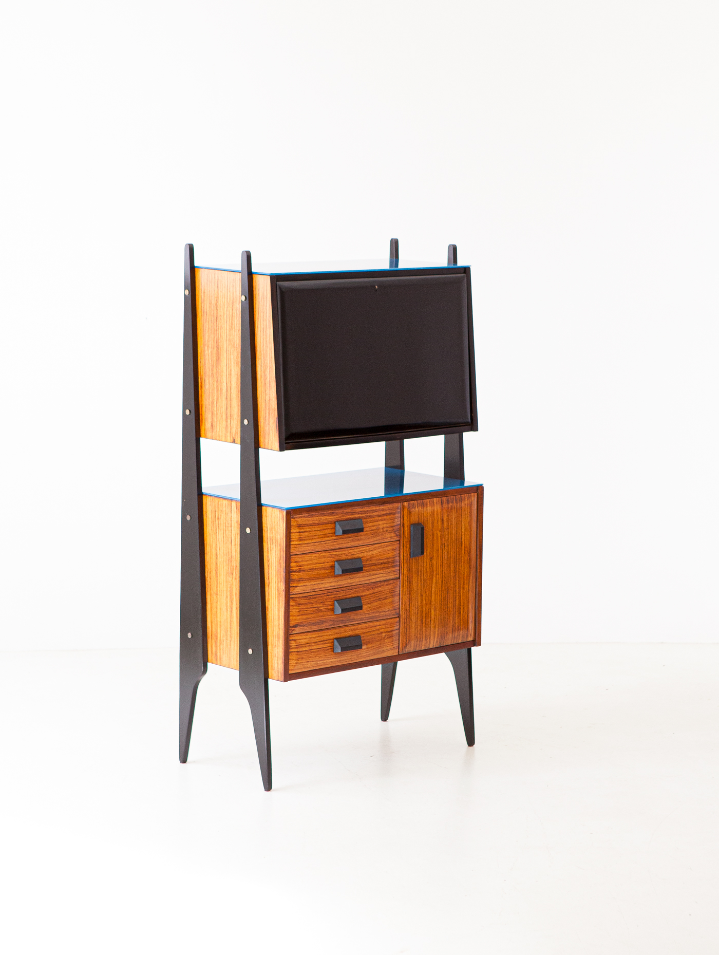 1950s-italian-rosewood-blue-glass-and-brass-credenza-with-bar-7-st122