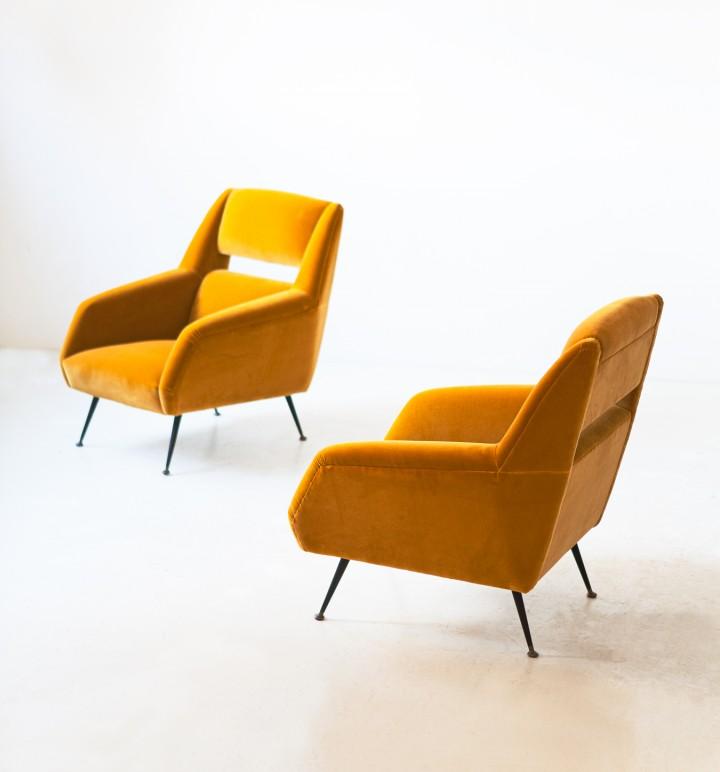 1950s Italian senape yellow velvet armchairs SE342