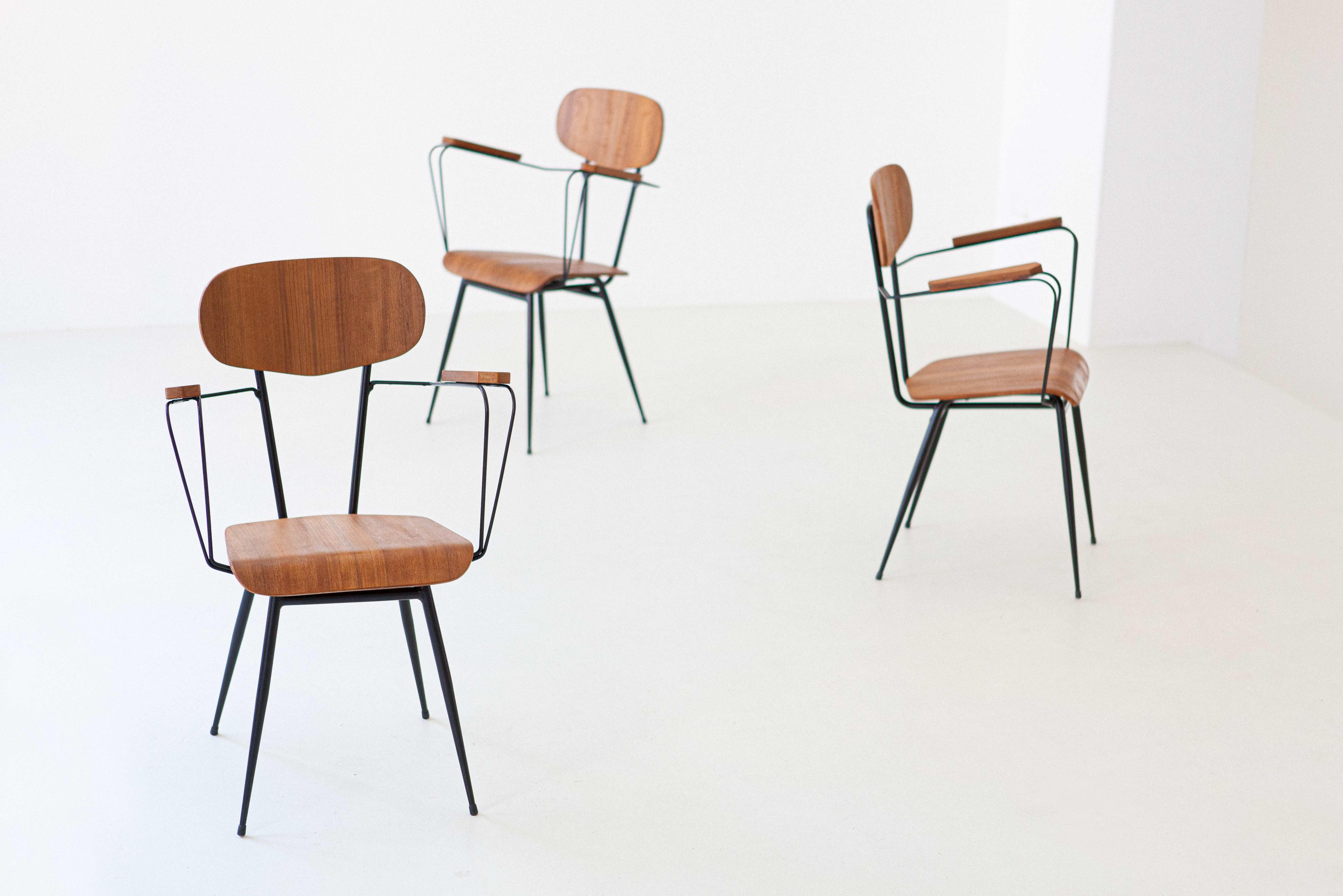 1950s-italian-set-of-four-teak-and-iron-chairs-10-se303