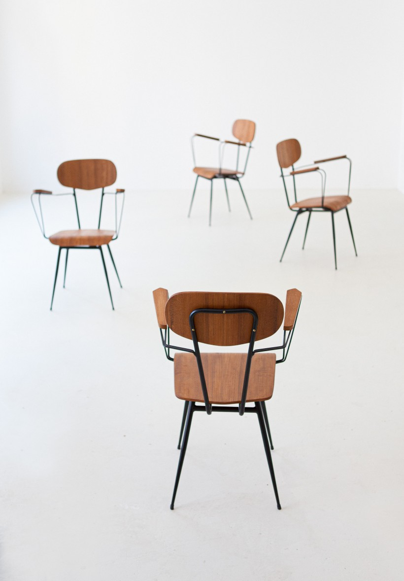 1950s italian set of four teak and iron chairs SE307