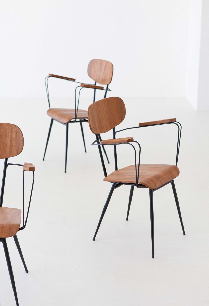 1950s italian set of four teak and iron chairs SE307