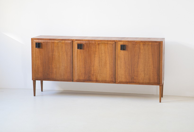 1950s Italian teak and brass three doors sideboard ST117