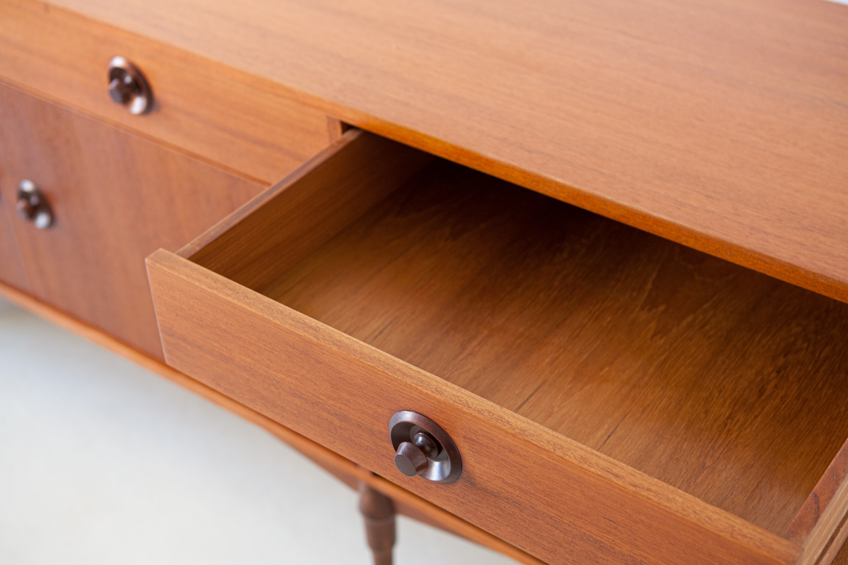 1950s-italian-teak-sideboard-8-st119