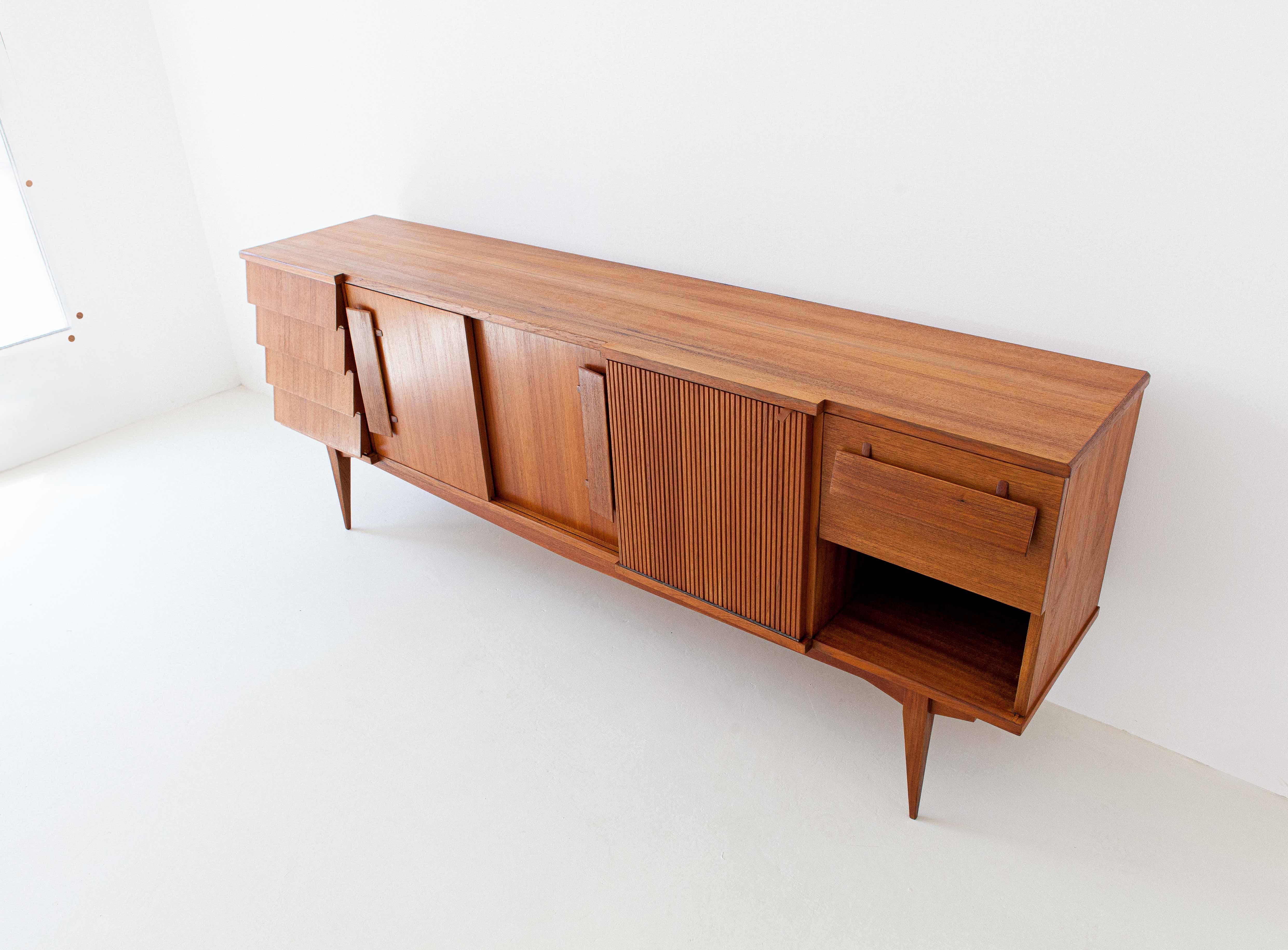 1950s-italian-teak-sideboard-9-ST113