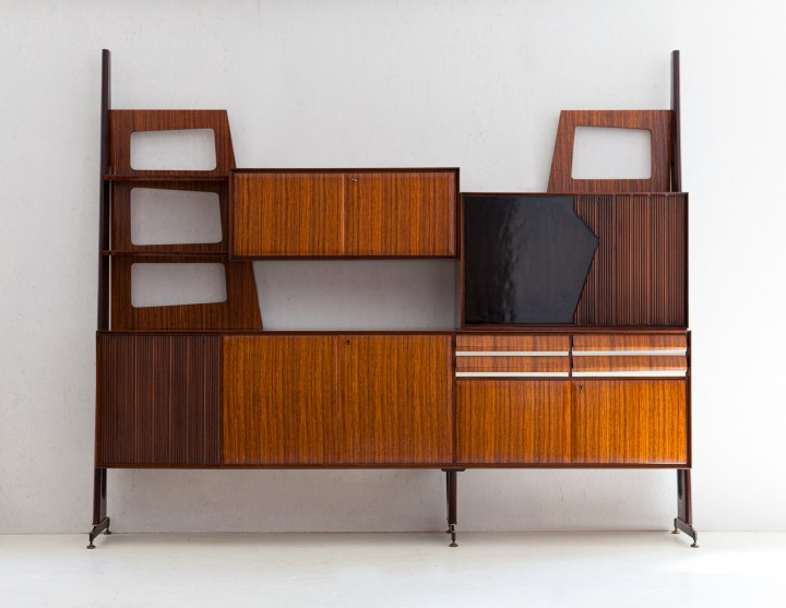 1950s Italian wall unit with bar WU39
