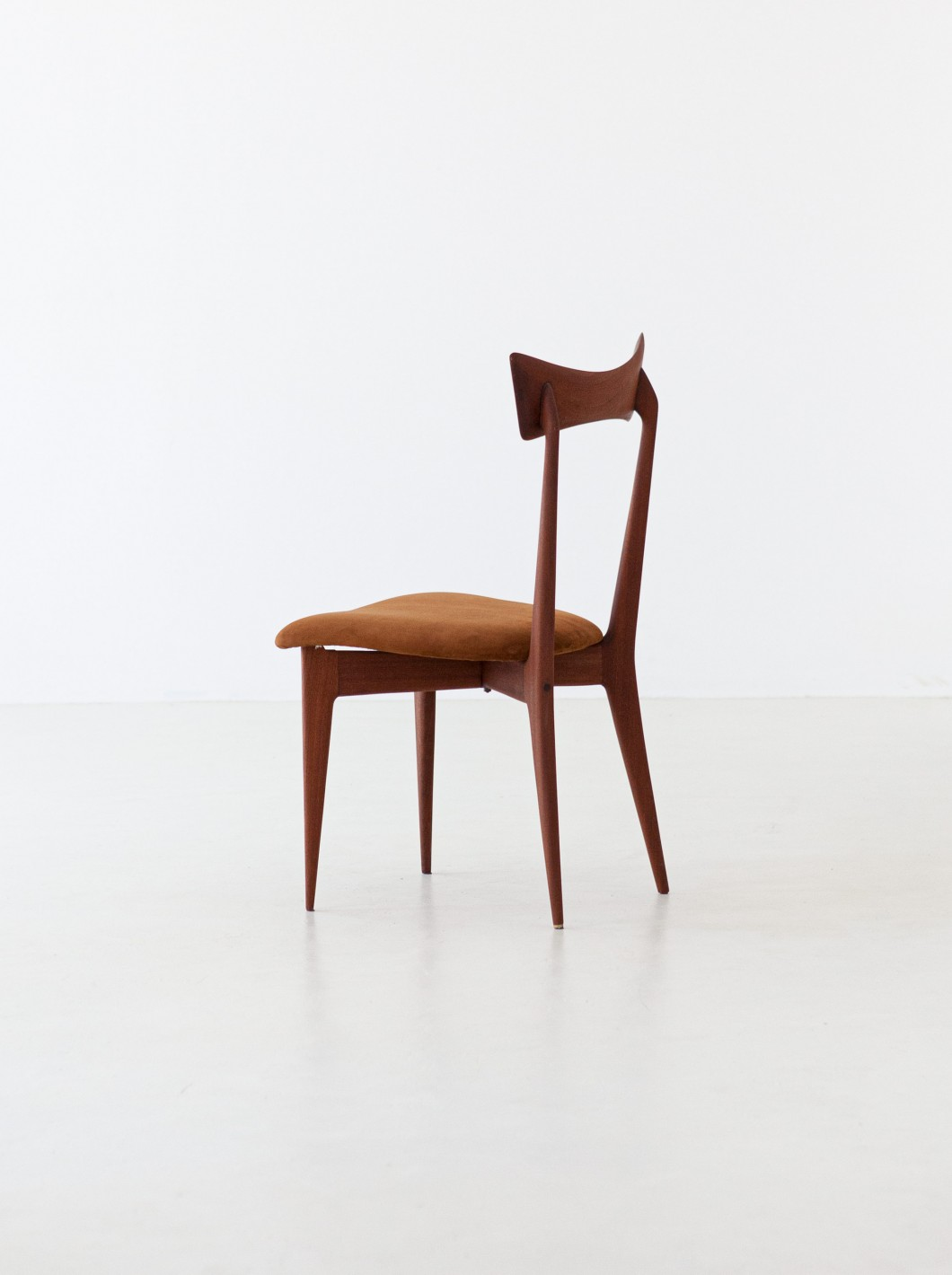 1950s mahogany and suede leather dining chairs by Ico Parisi SE296 – Not Available