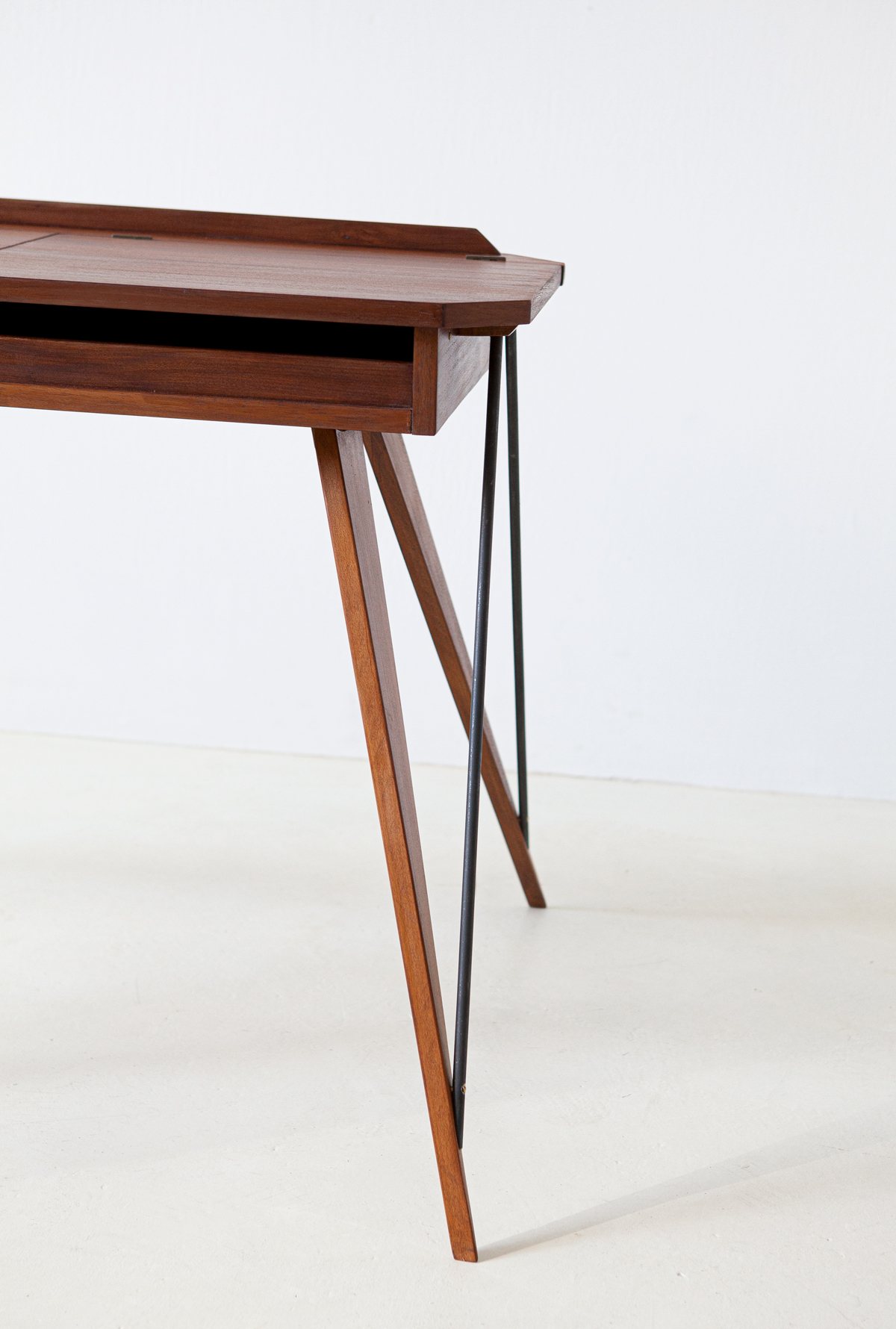 1950s-modern-console-desk-with-compass-legs-3-dt33