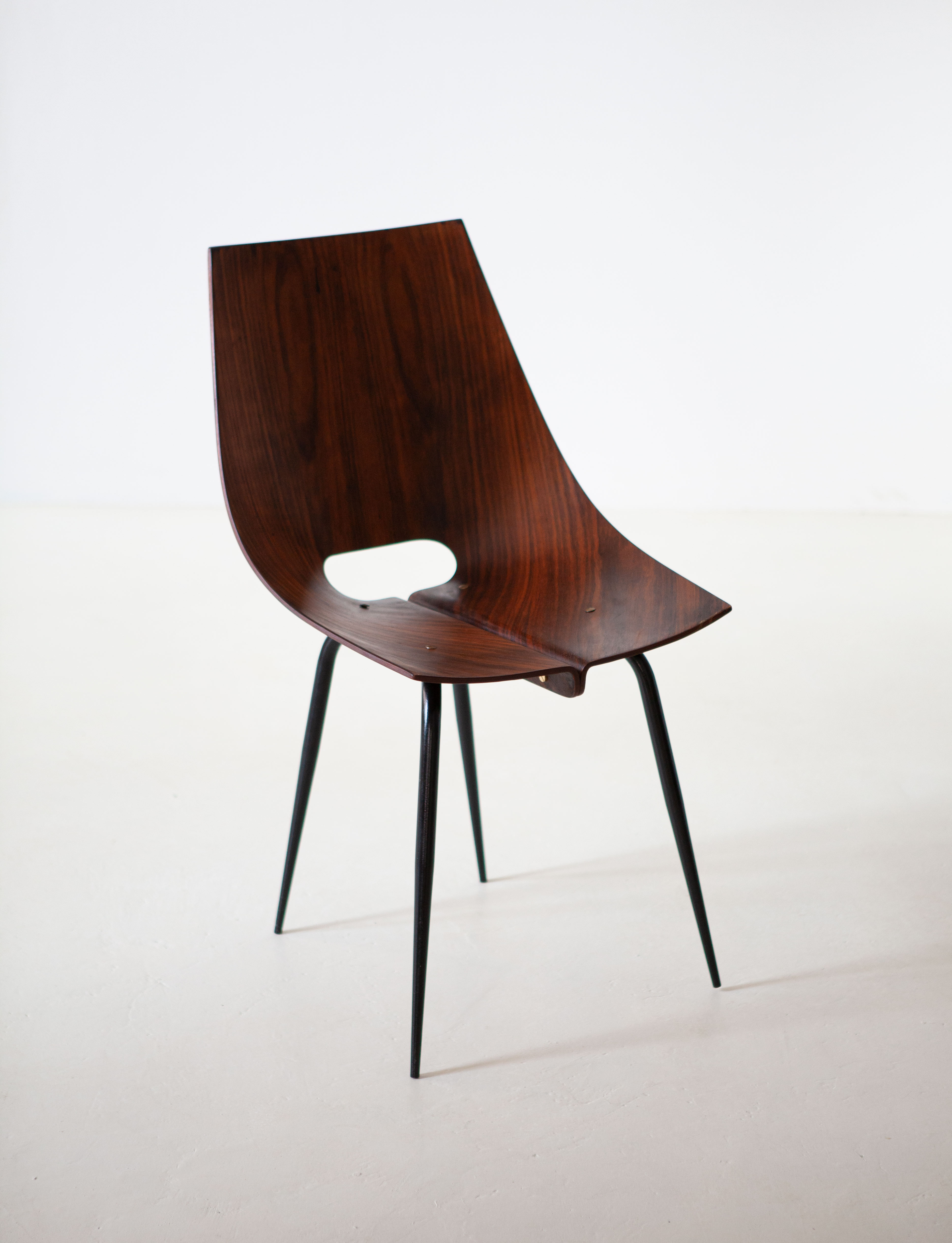 1950s-modern-curved-rosewood-chair-by-societa-compensati-curvati-3-se312