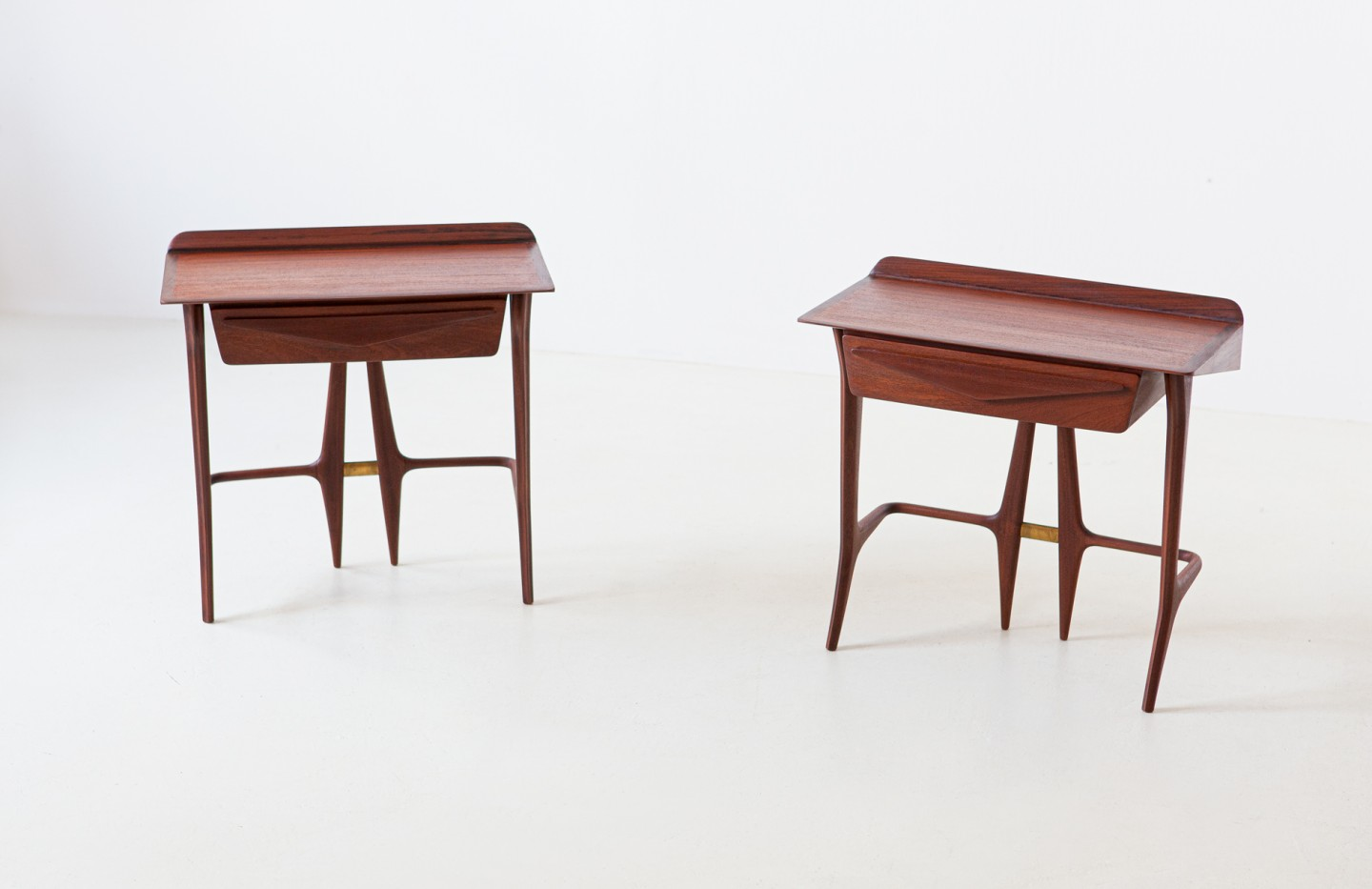 1950s organic shape rosewood bedside tables BT84