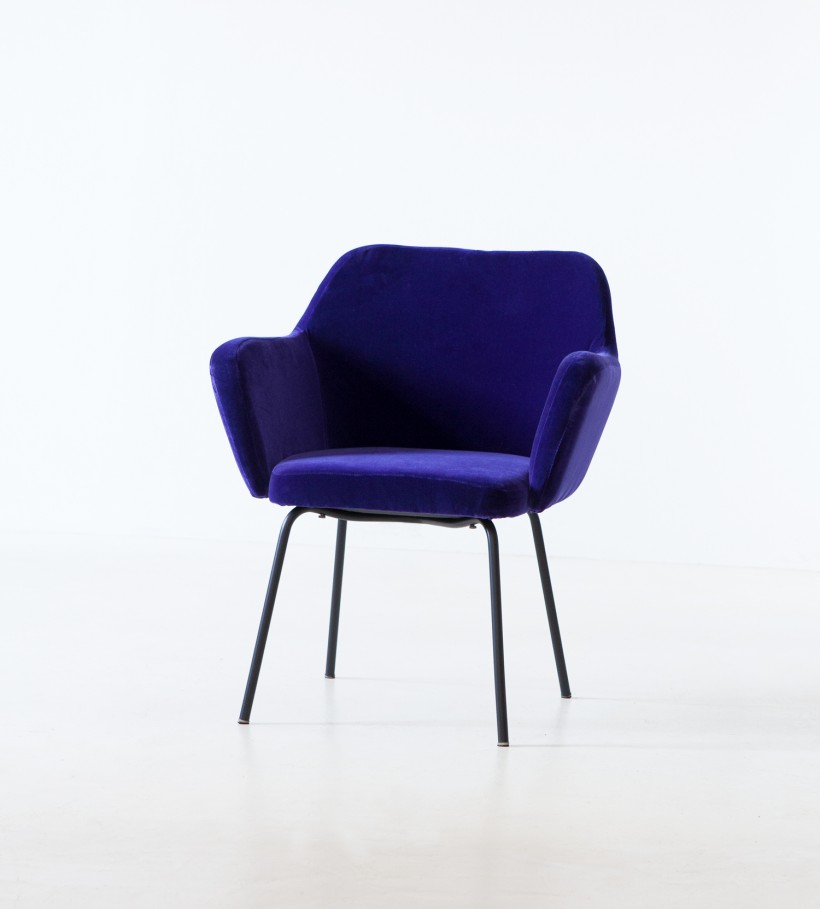 1950s purple velvet armchair by studio PFR for Arflex SE318