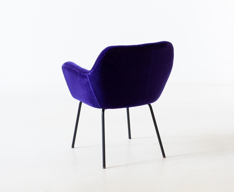 1950s purple velvet armchair by studio PFR for Arflex SE318