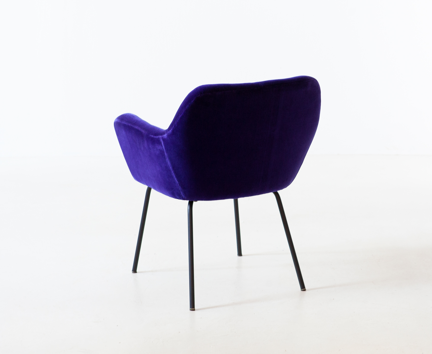 1950s-purle-velvet-armchair-by-studio-pfr-for--arflex-5-se318