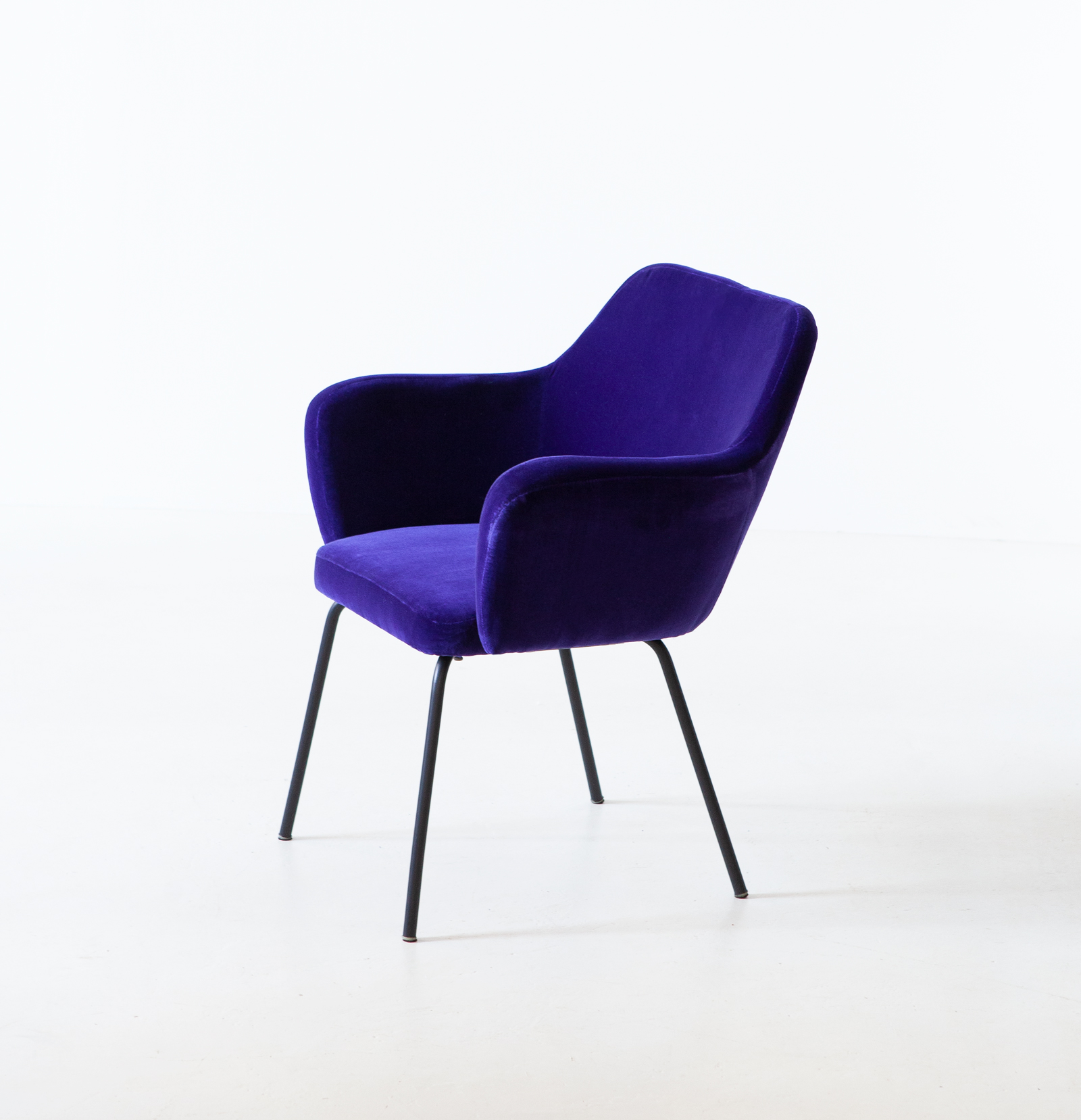 1950s-purle-velvet-armchair-by-studio-pfr-for--arflex-6-se318