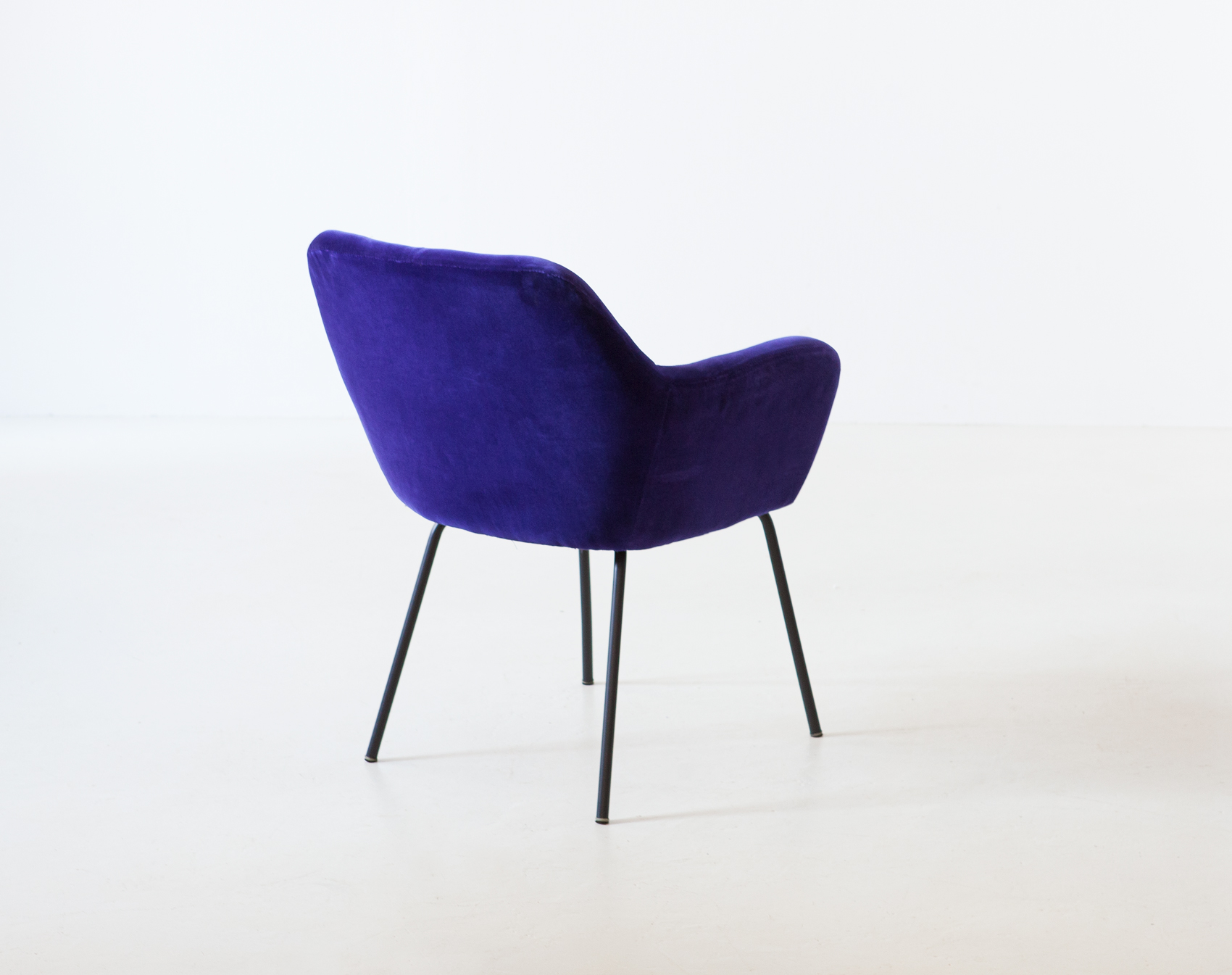 1950s-purle-velvet-armchair-by-studio-pfr-for--arflex-7-se318