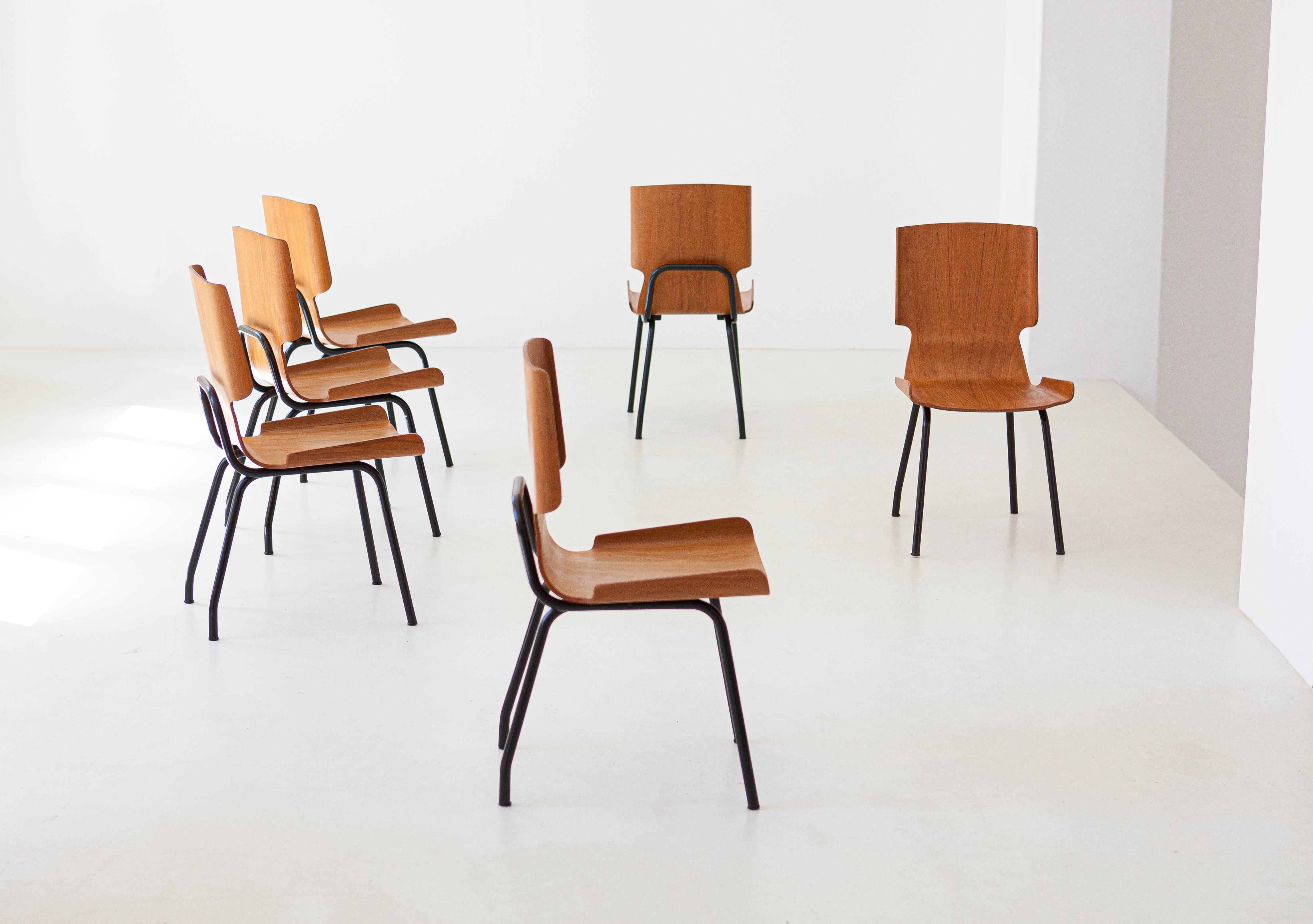 1950s-set-of-six-curved-teak-chairs-by-carlo-ratti-7-se311