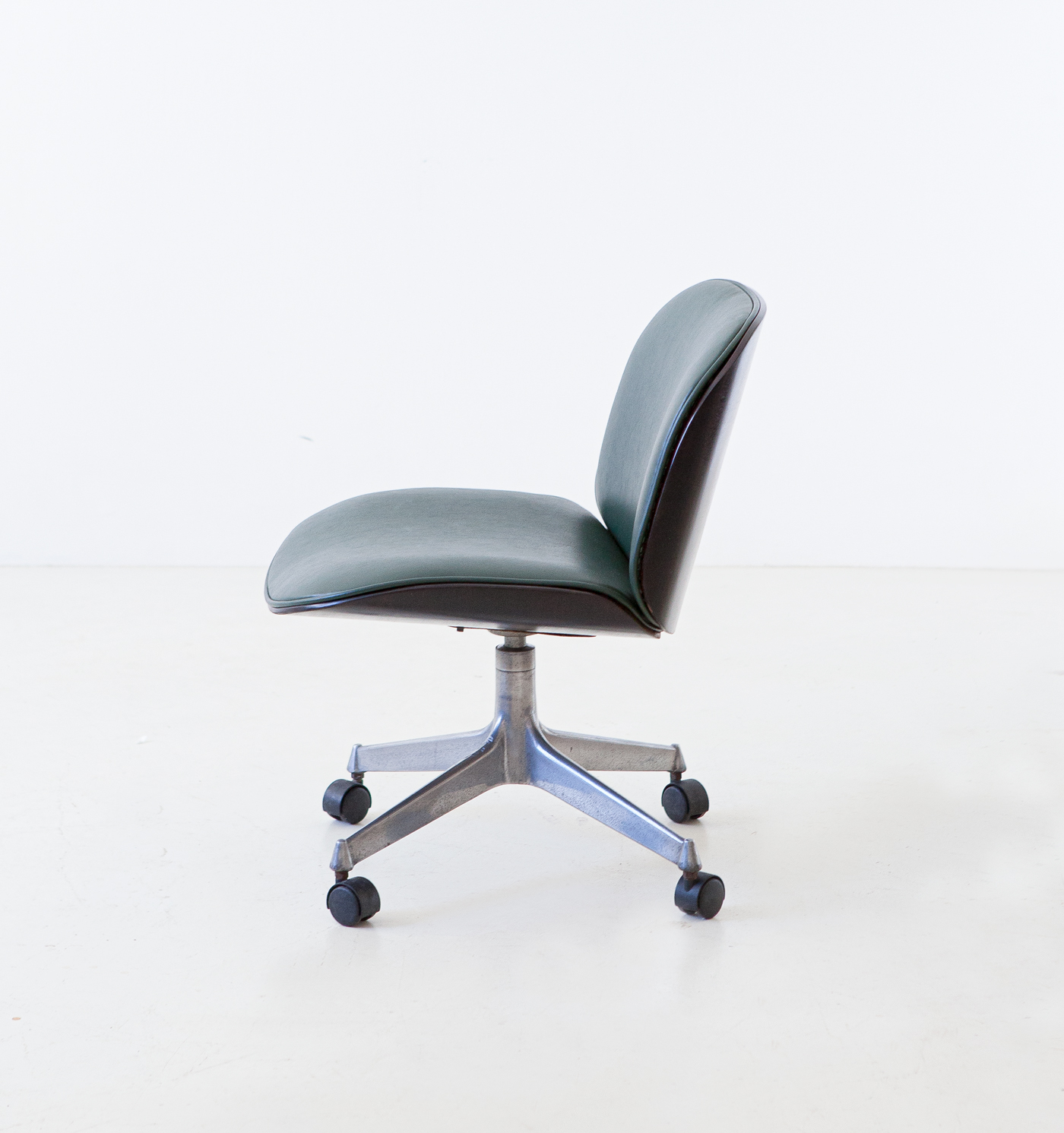 1950s-swivel-desk-chair-by-Ico-Parisi-for-M.i.M.-1-se331