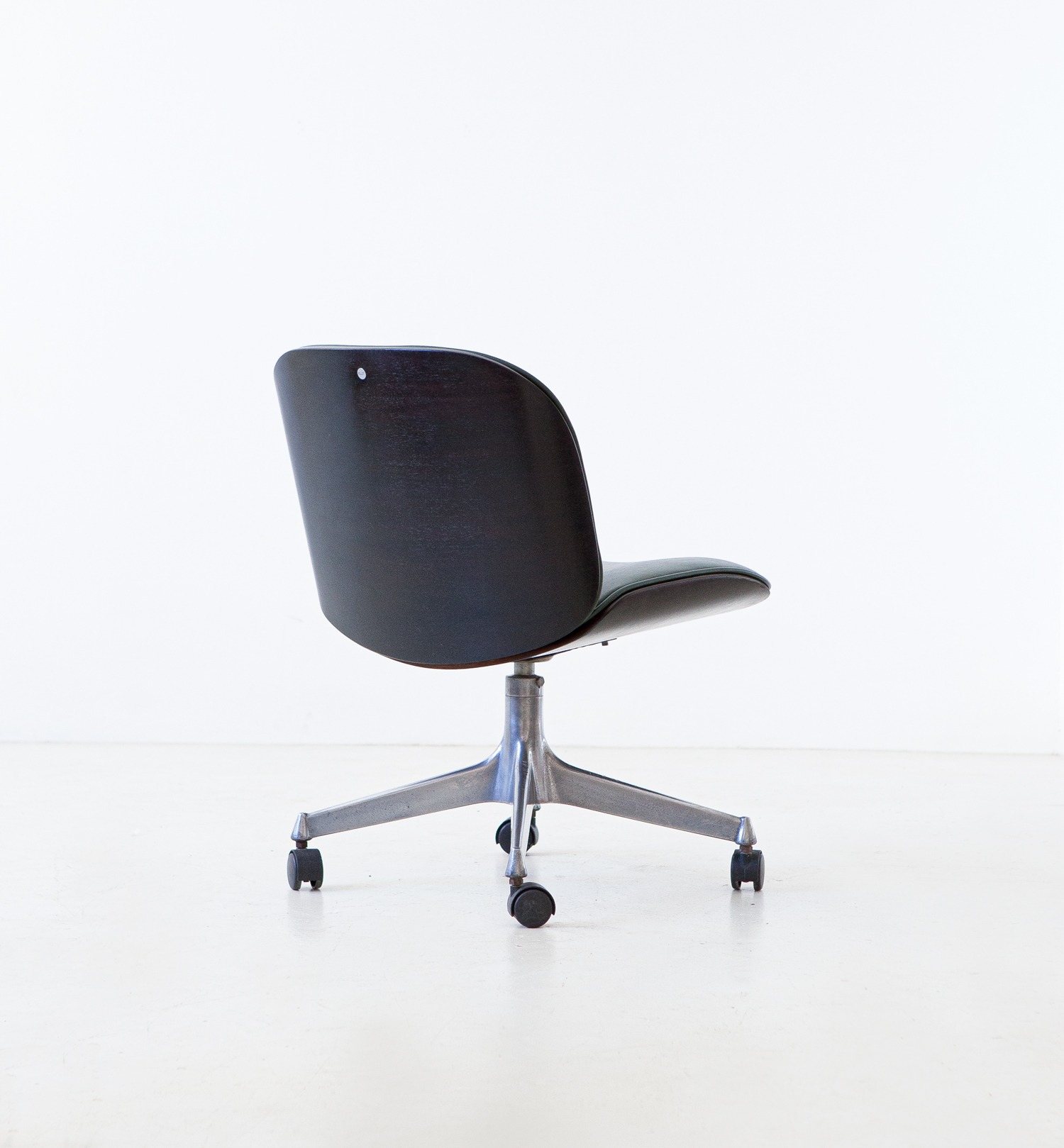 1950s-swivel-desk-chair-by-Ico-Parisi-for-M.i.M.-3-se331