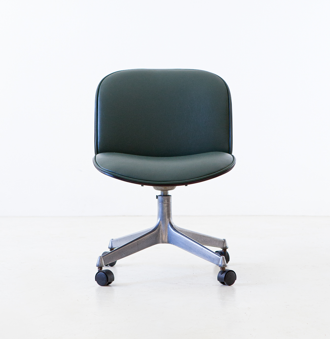 1950s-swivel-desk-chair-by-Ico-Parisi-for-M.i.M.-6-se331
